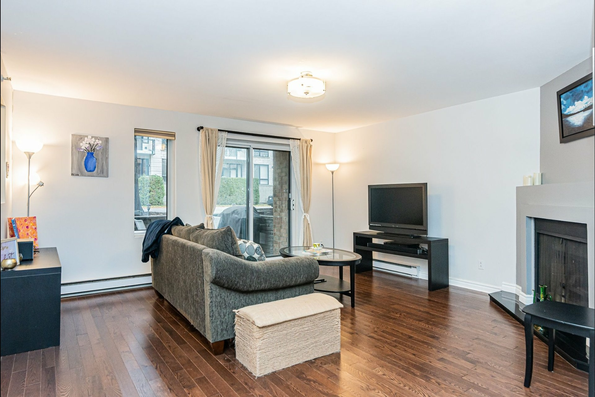 image 4 - Appartement À vendre Ville-Marie Montréal  - 6 pièces