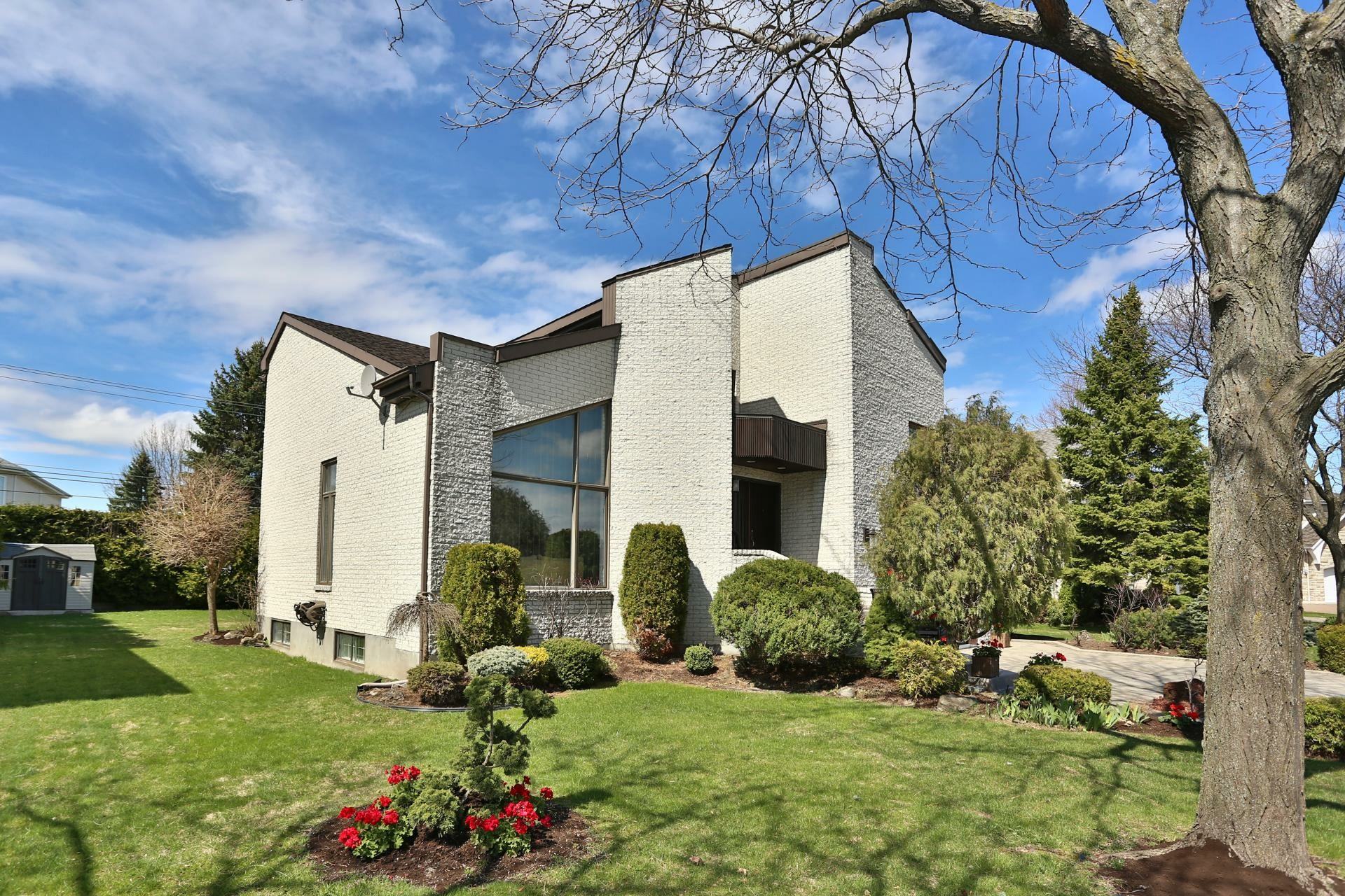 image 1 - House For sale Kirkland - 14 rooms