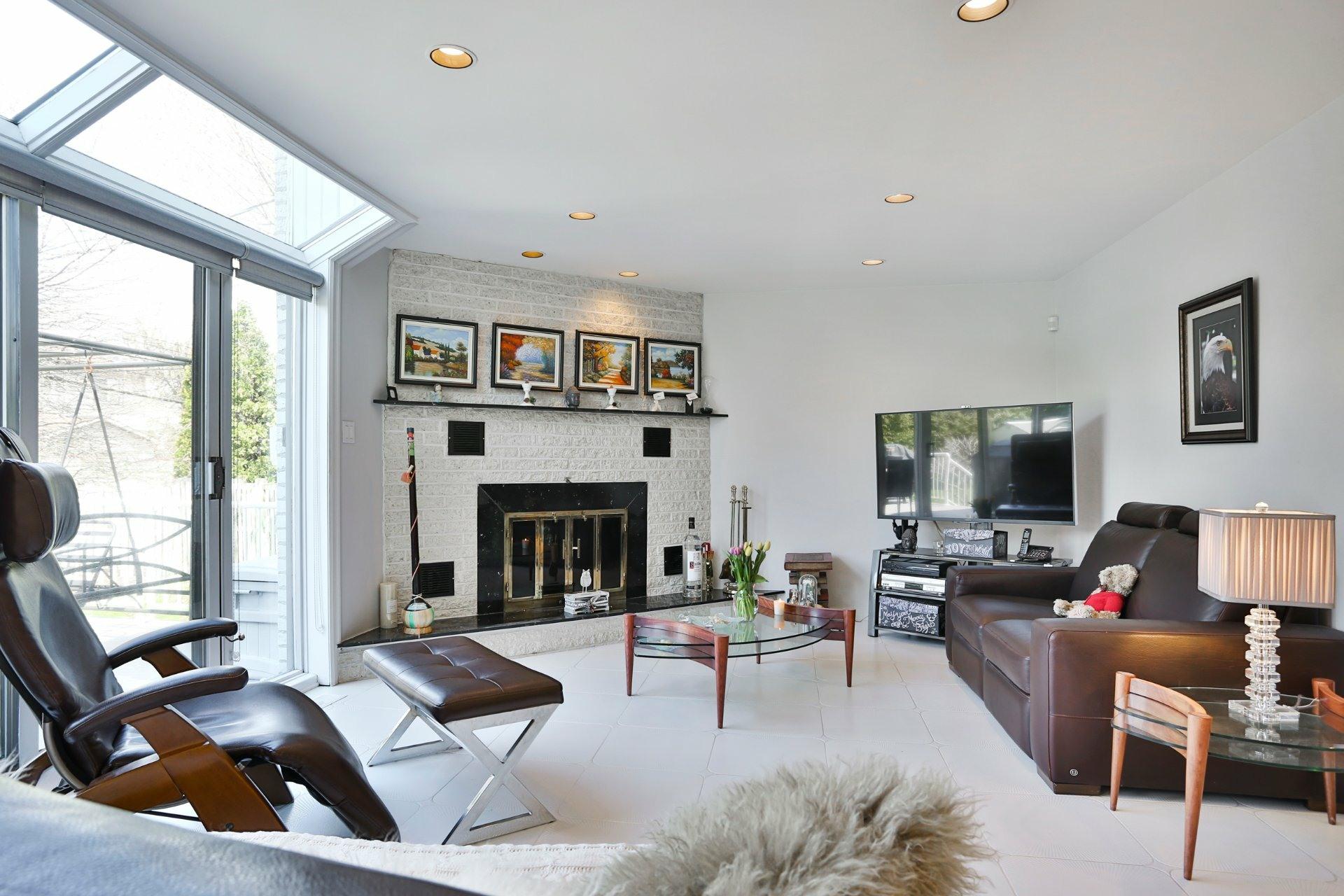 image 3 - House For sale Kirkland - 14 rooms