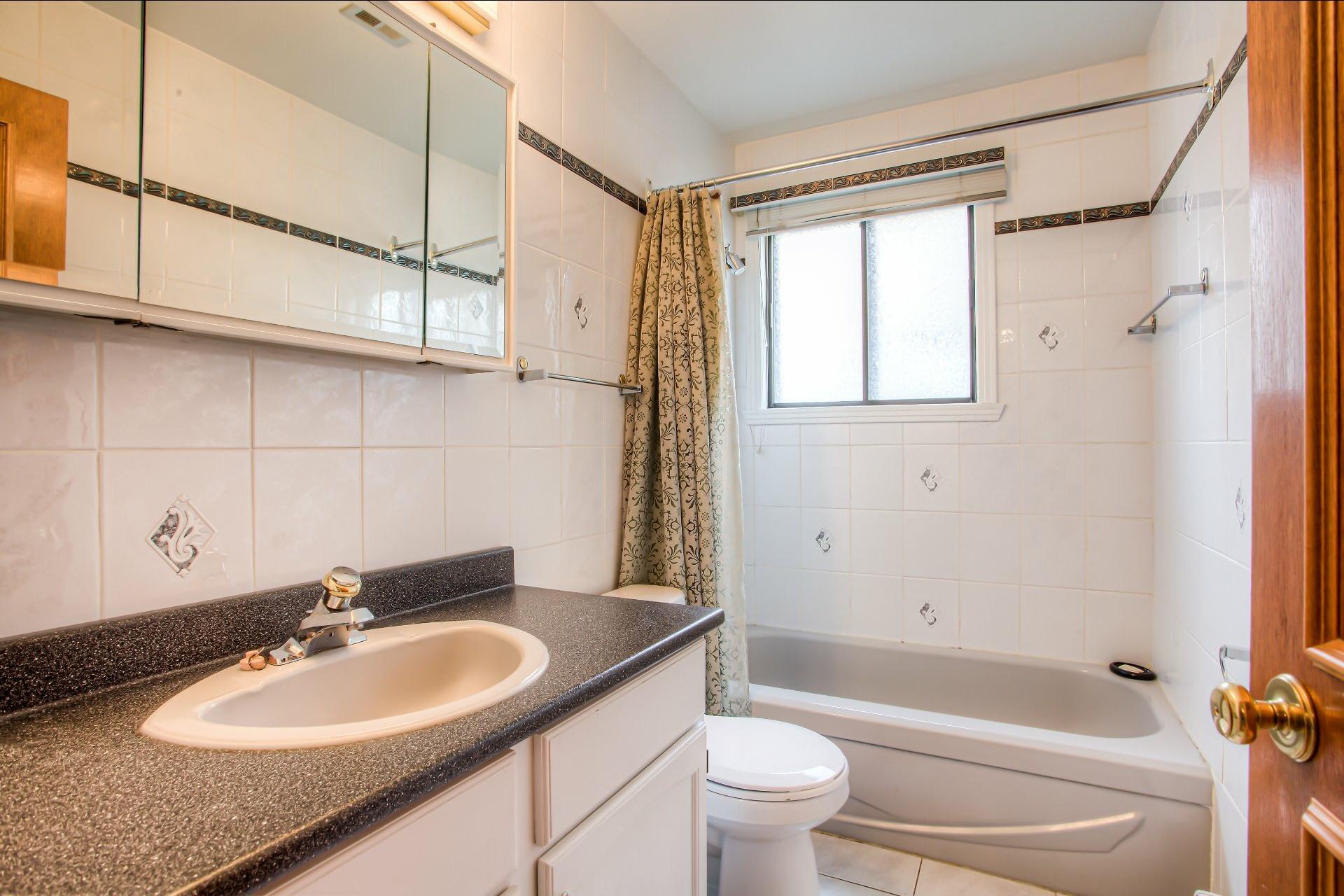 image 19 - House For sale LaSalle Montréal  - 10 rooms