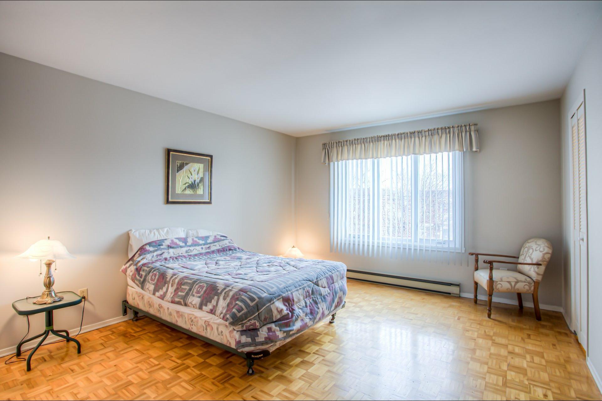 image 15 - House For sale LaSalle Montréal  - 10 rooms