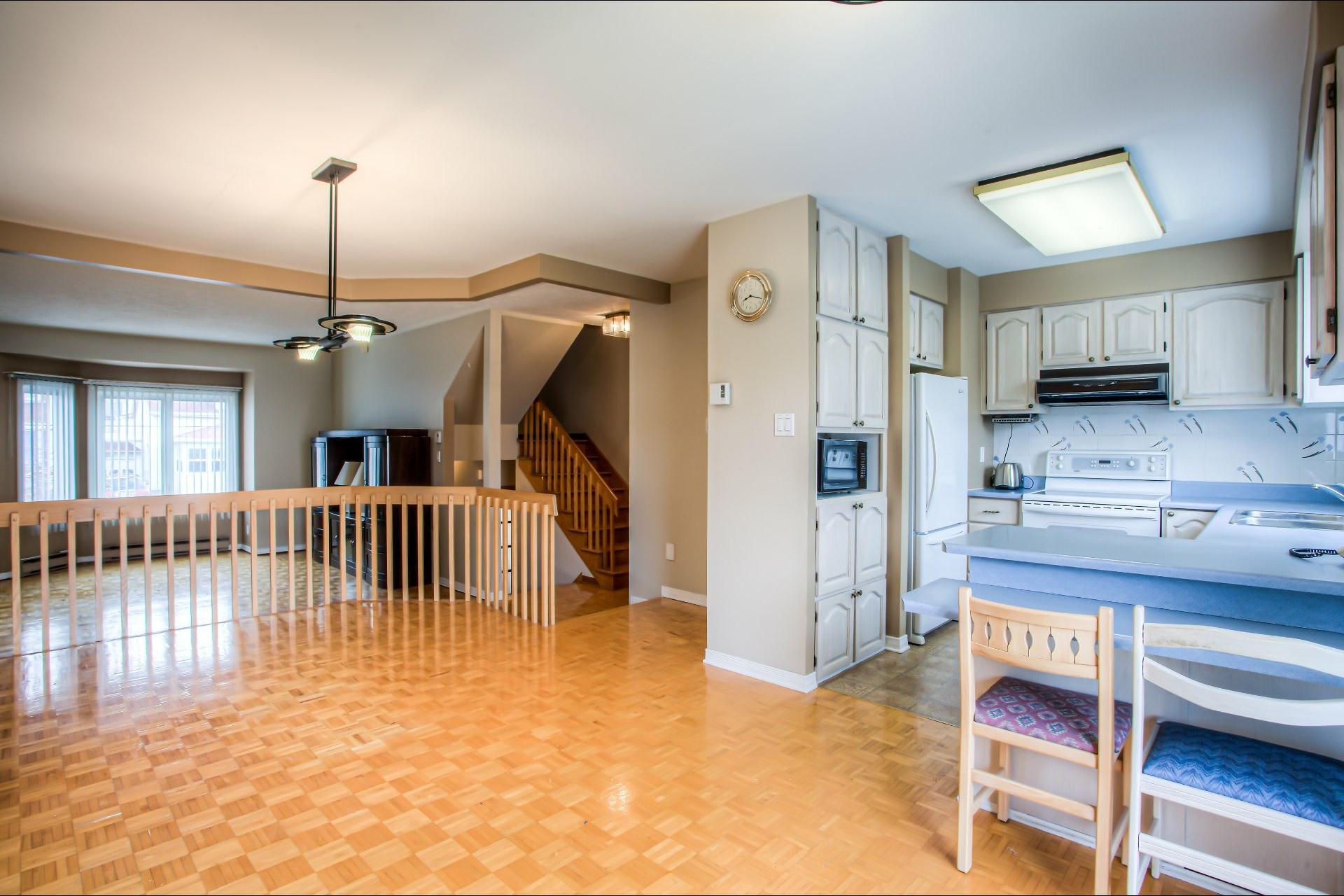 image 9 - House For sale LaSalle Montréal  - 10 rooms