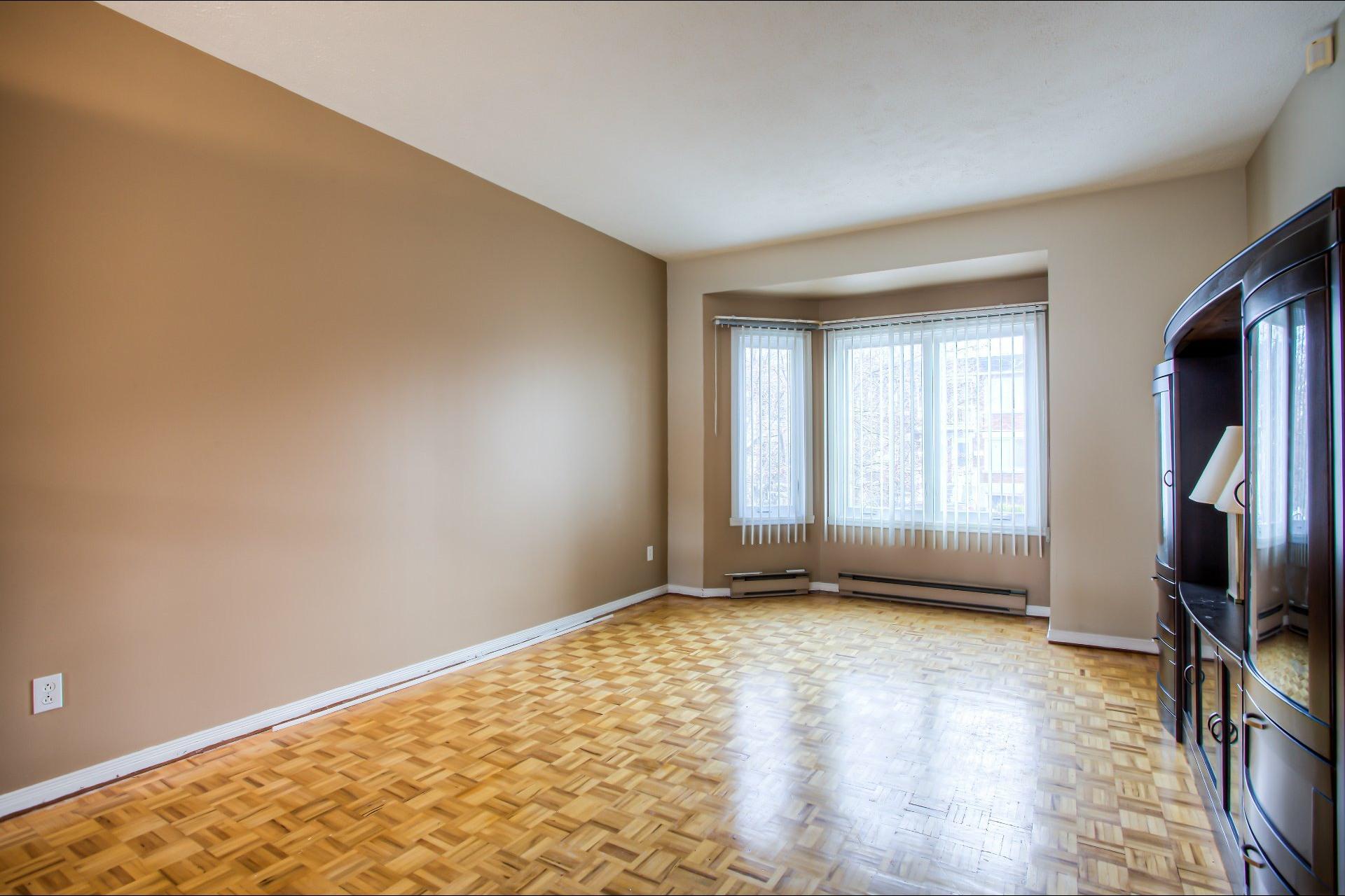image 2 - House For sale LaSalle Montréal  - 10 rooms