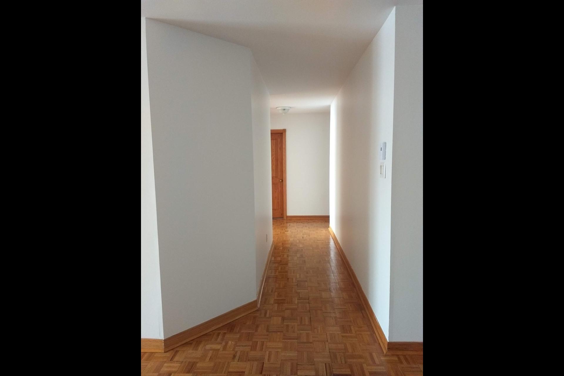 image 4 - Appartement À vendre Le Vieux-Longueuil Longueuil  - 6 pièces