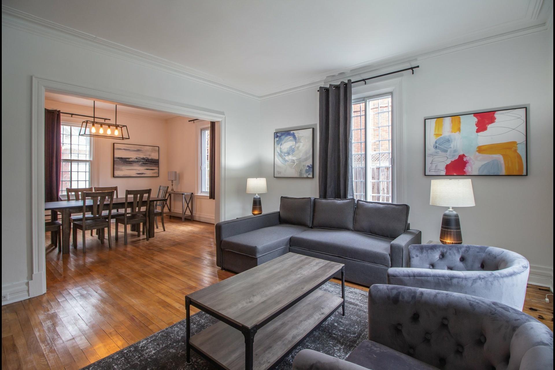 image 0 - House For rent Côte-des-Neiges/Notre-Dame-de-Grâce Montréal  - 8 rooms