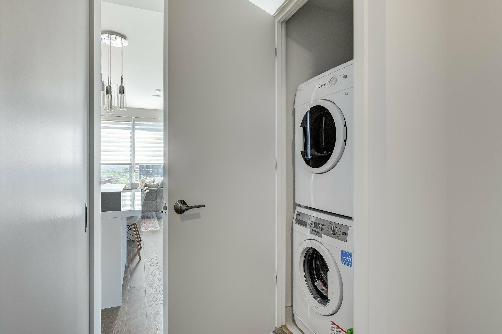 image 19 - Apartment For sale Ville-Marie Montréal  - 5 rooms