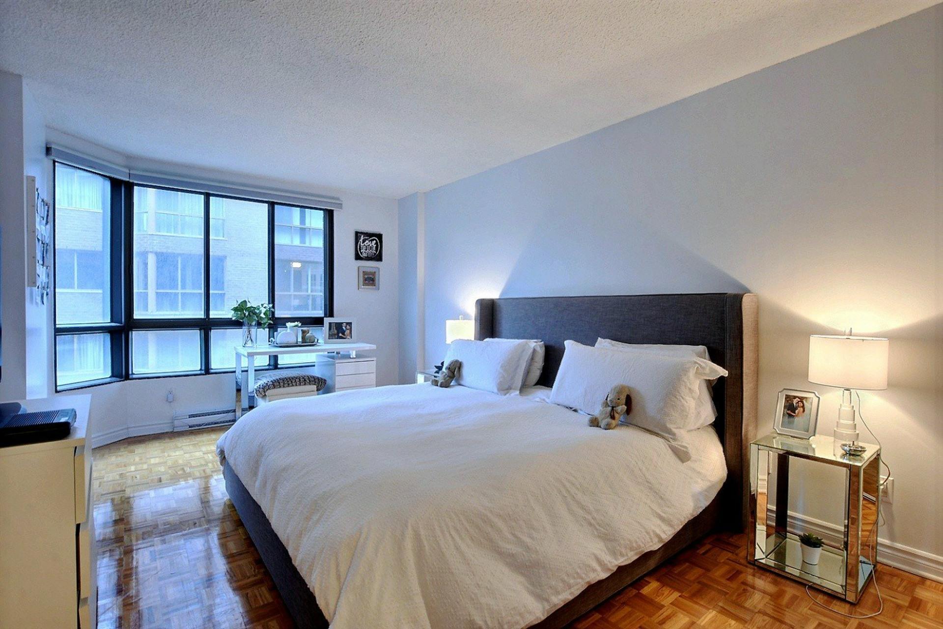 image 10 - Appartement À louer Ville-Marie Montréal  - 5 pièces