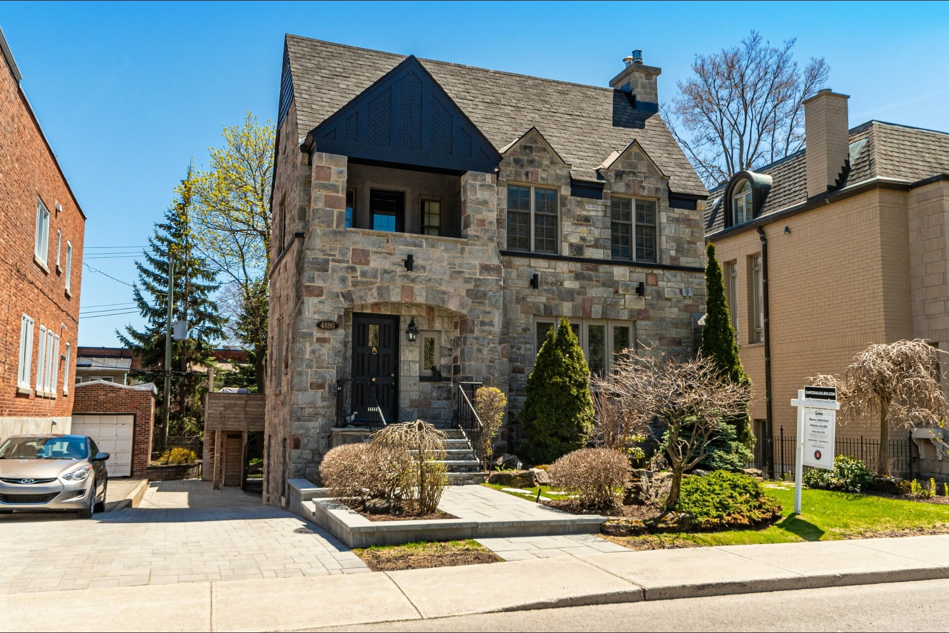 image 1 - House For sale Westmount - 15 rooms