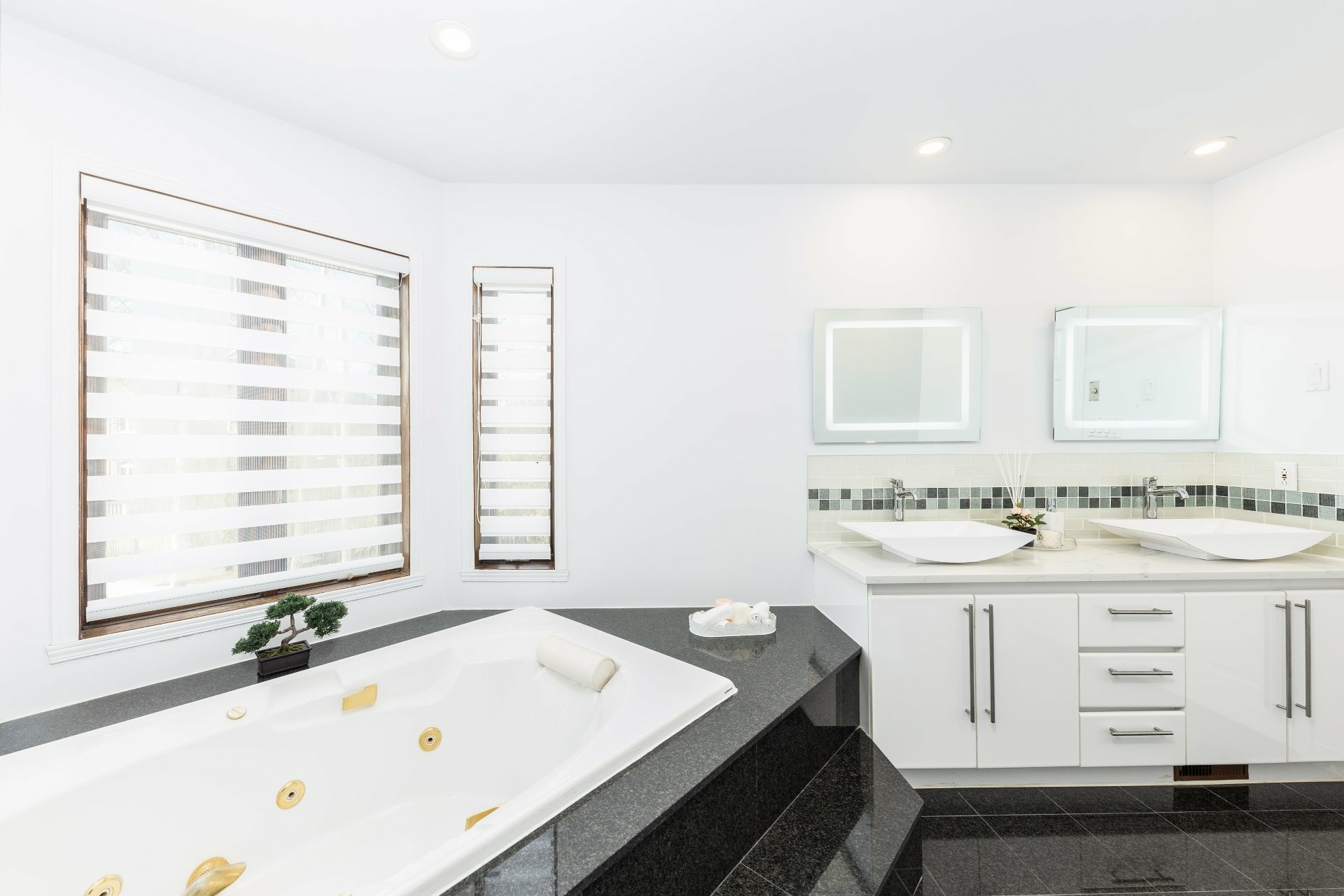 image 18 - House For sale Beaconsfield - 15 rooms
