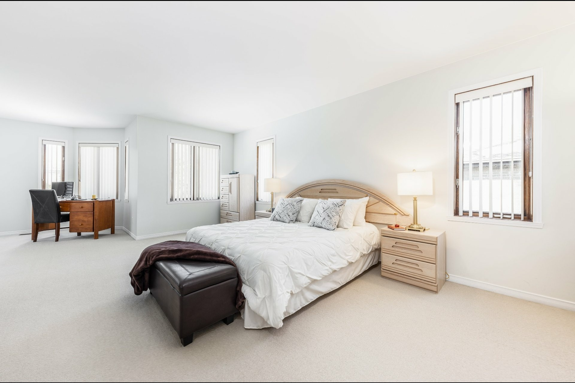 image 15 - House For sale Beaconsfield - 15 rooms