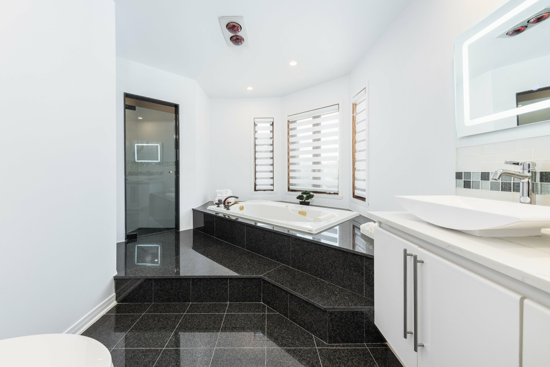 image 17 - House For sale Beaconsfield - 15 rooms