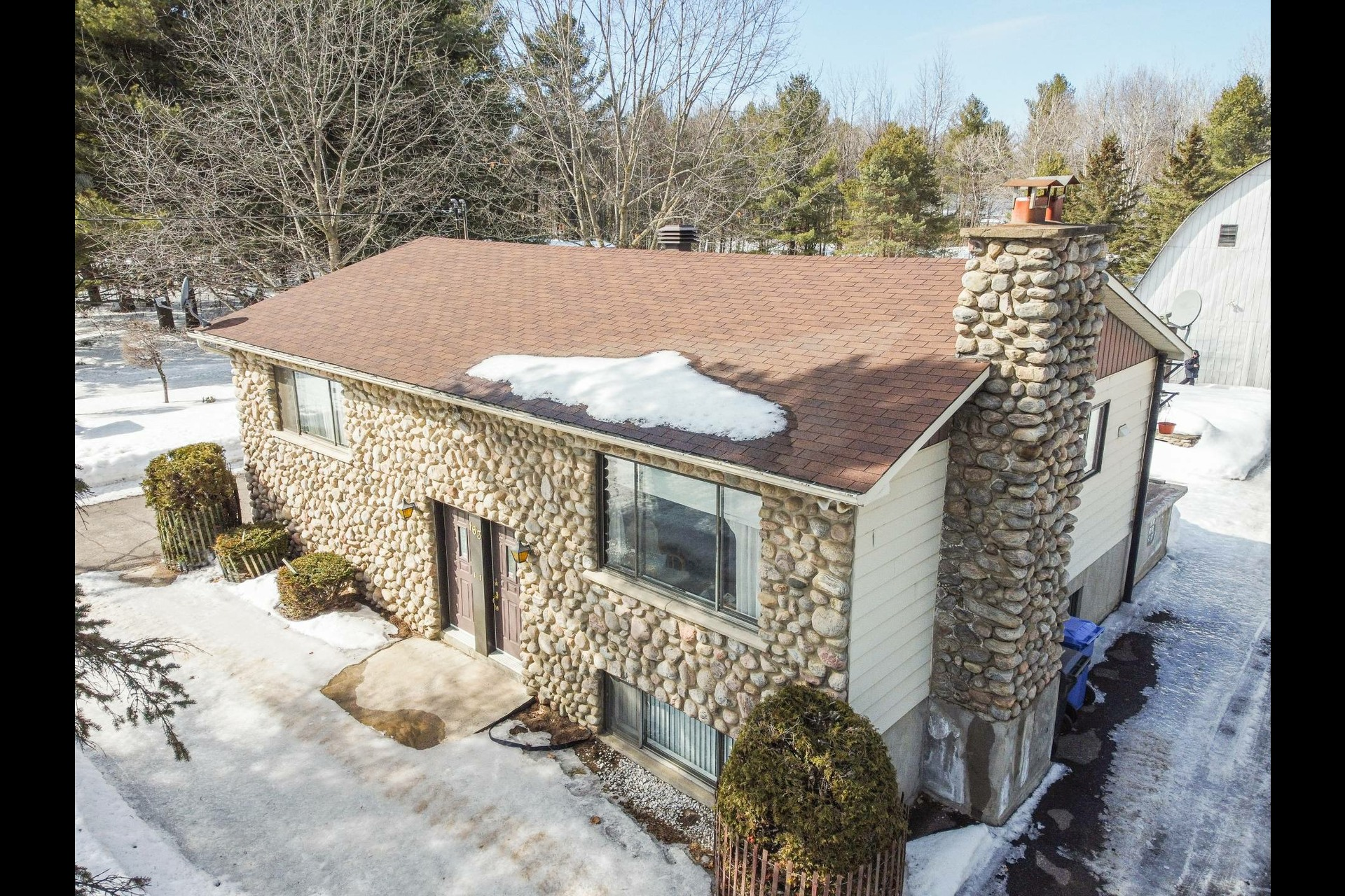 image 9 - House For sale Sainte-Anne-des-Plaines - 7 rooms