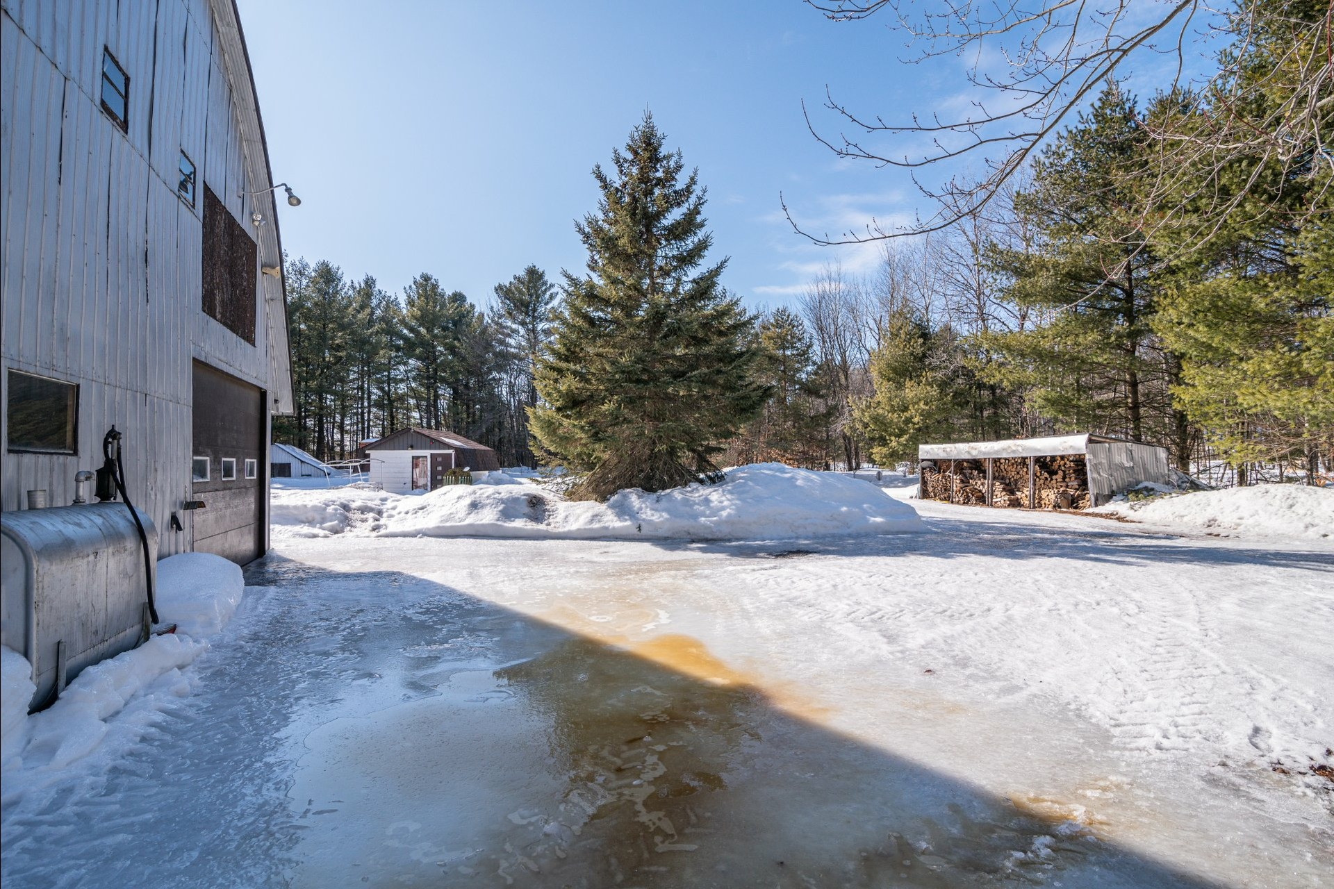 image 16 - House For sale Sainte-Anne-des-Plaines - 7 rooms