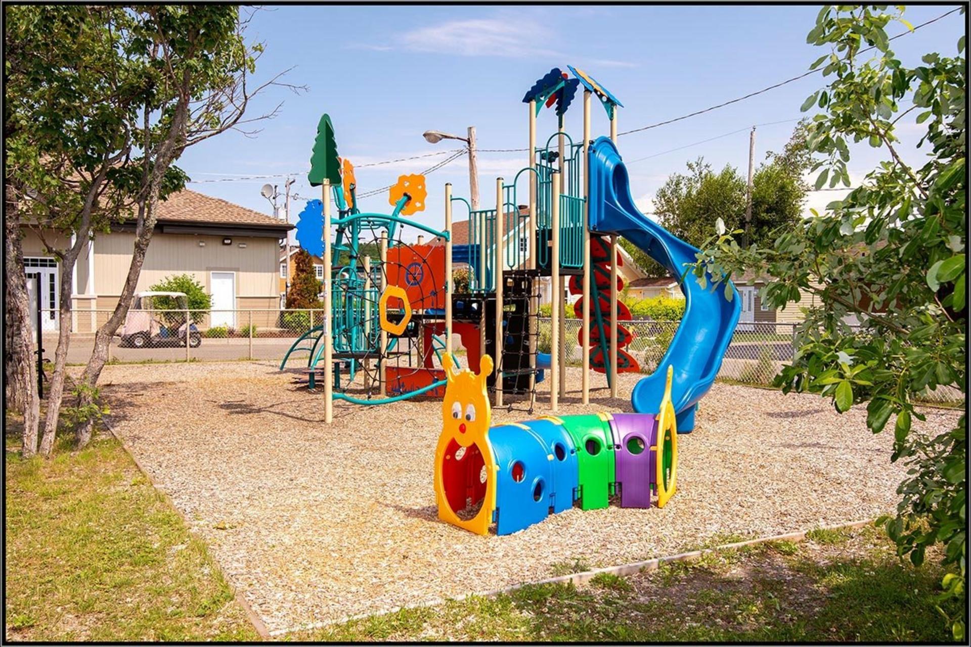 image 15 - House For sale Fossambault-sur-le-Lac - 9 rooms
