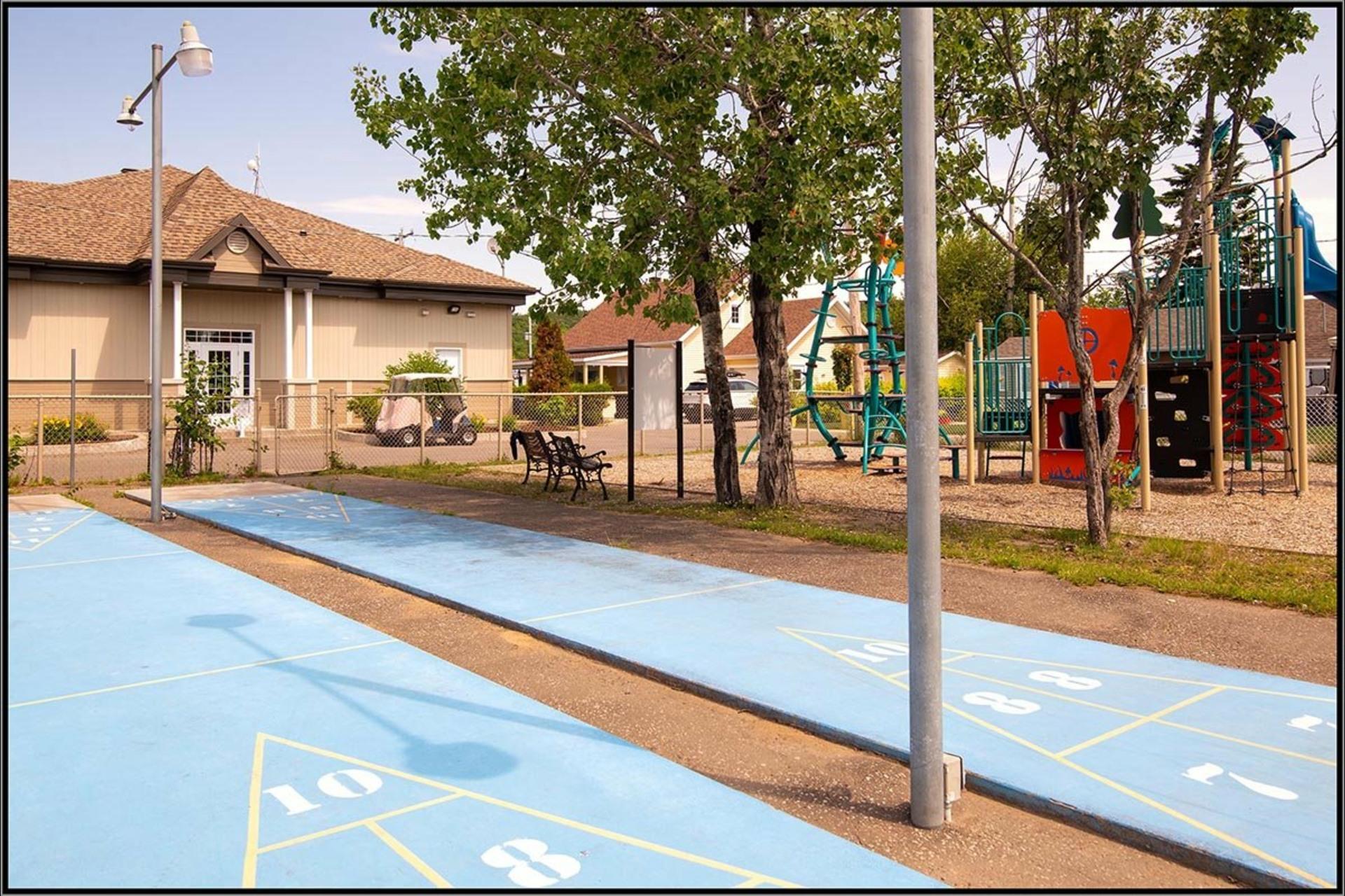 image 16 - House For sale Fossambault-sur-le-Lac - 9 rooms