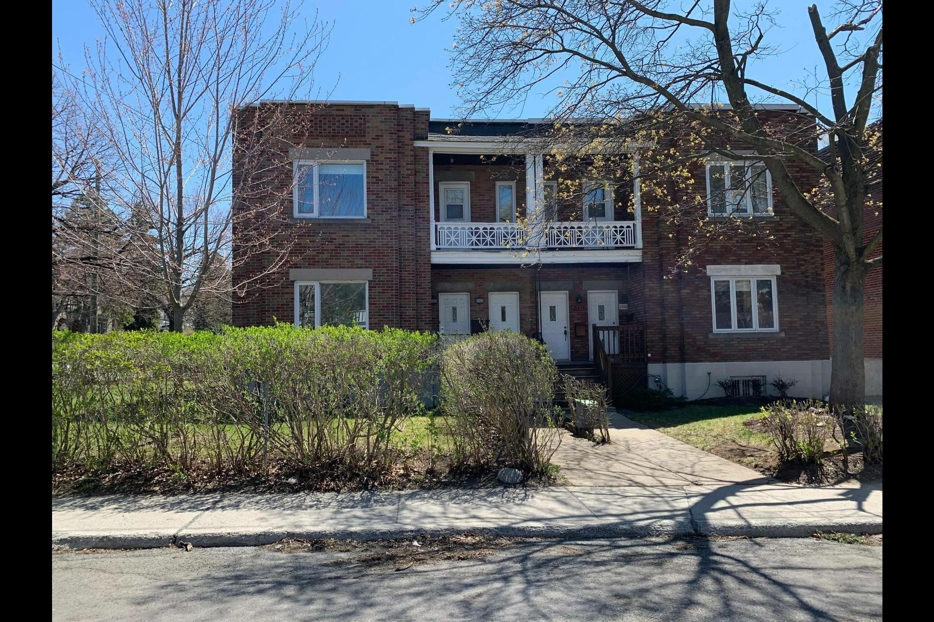 image 0 - Apartment For rent Côte-des-Neiges/Notre-Dame-de-Grâce Montréal  - 9 rooms