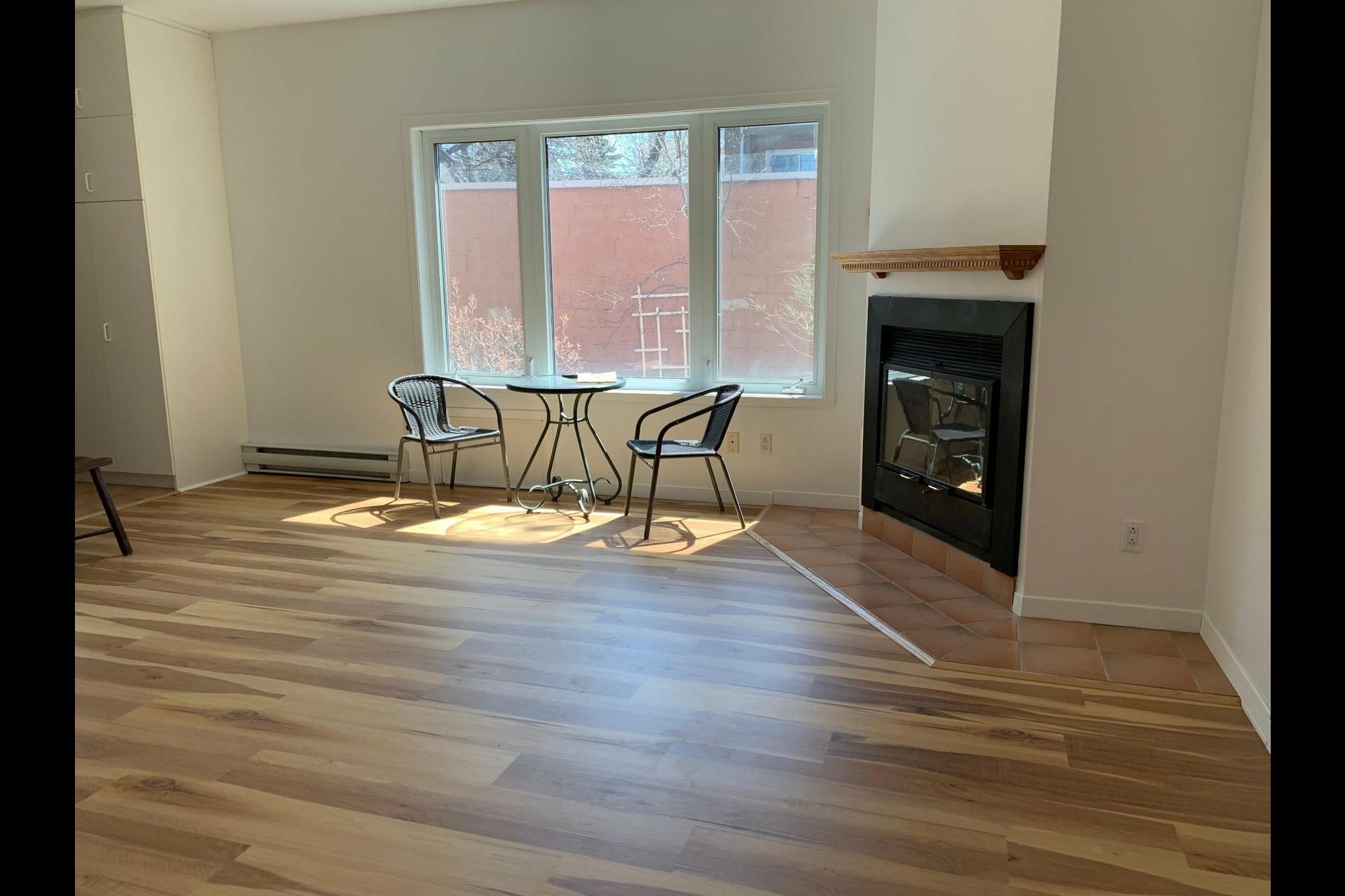 image 7 - Apartment For rent Côte-des-Neiges/Notre-Dame-de-Grâce Montréal  - 9 rooms