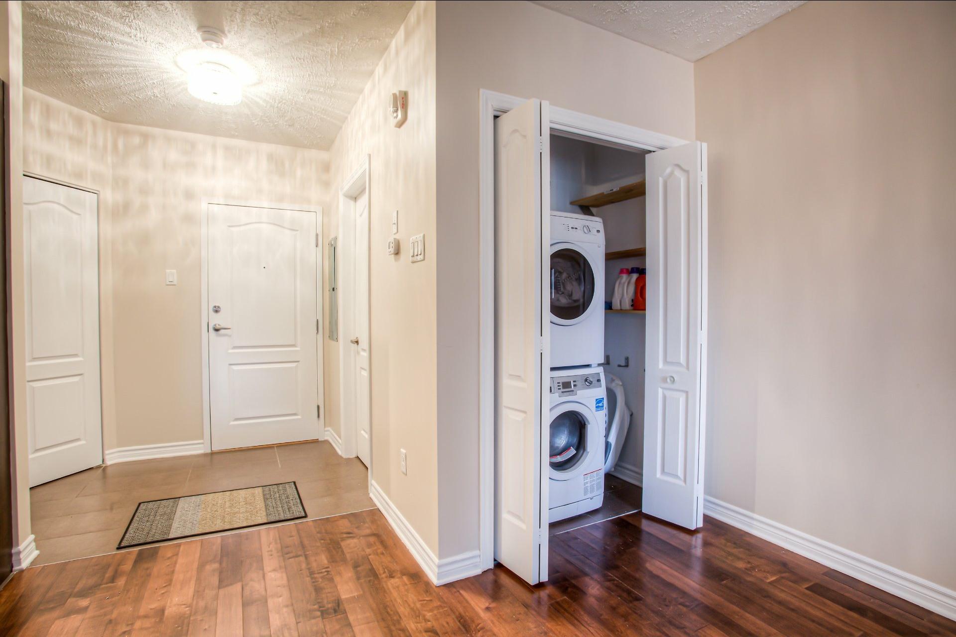 image 2 - Apartment For sale Saint-Laurent Montréal  - 9 rooms