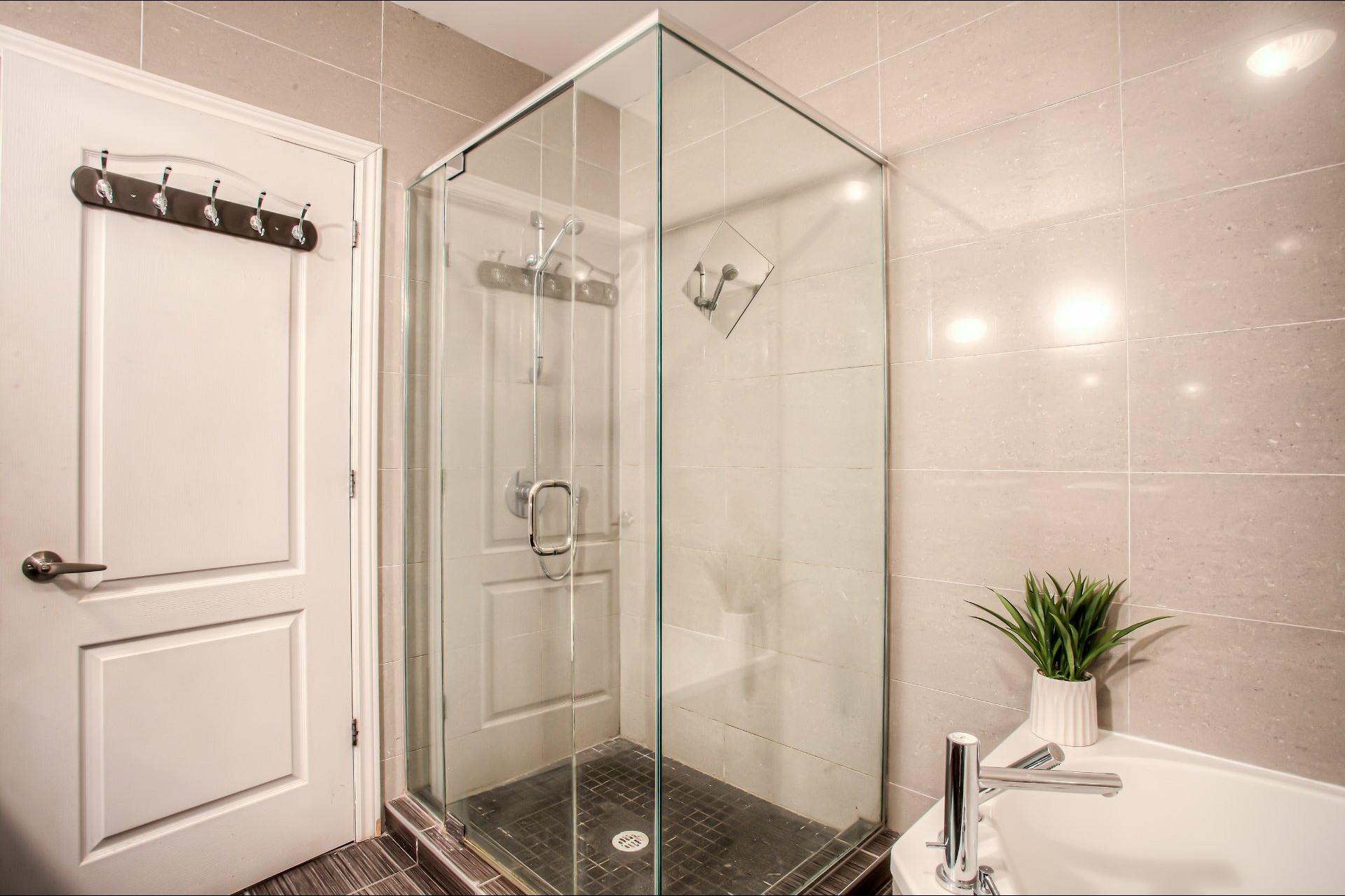 image 19 - Apartment For sale Saint-Laurent Montréal  - 9 rooms