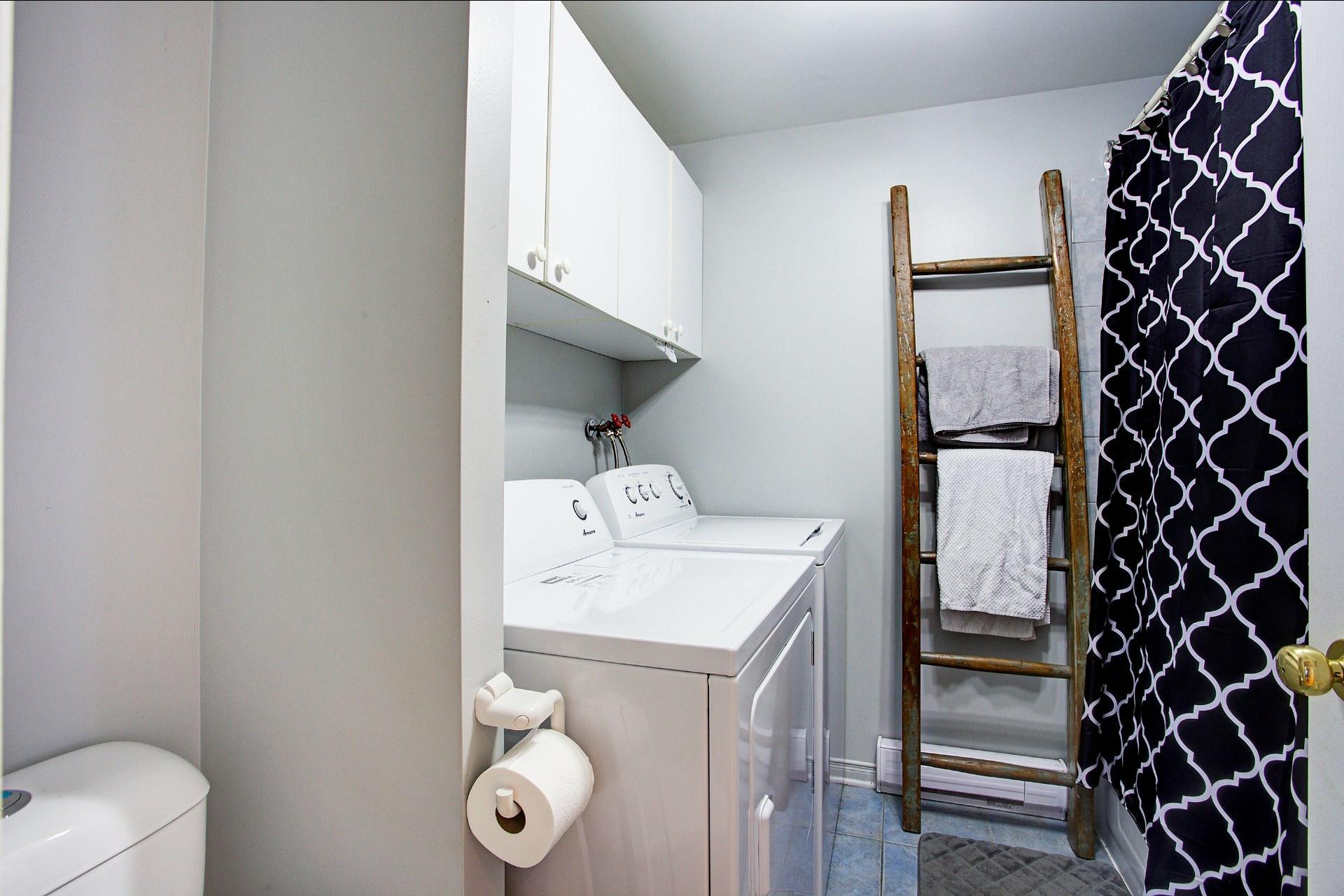 image 7 - Quintuplex For sale Le Sud-Ouest Montréal  - 3 rooms