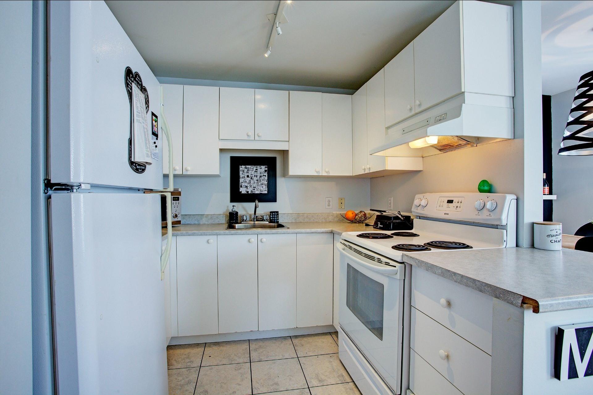 image 5 - Quintuplex For sale Le Sud-Ouest Montréal  - 3 rooms