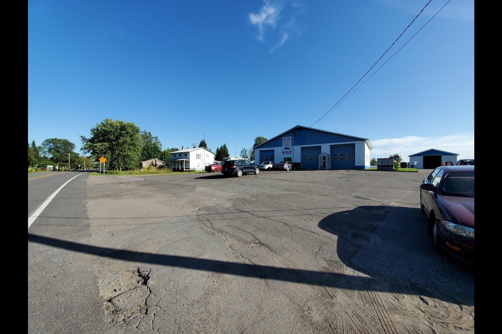 image 2 - Bureau À vendre Deschaillons-sur-Saint-Laurent