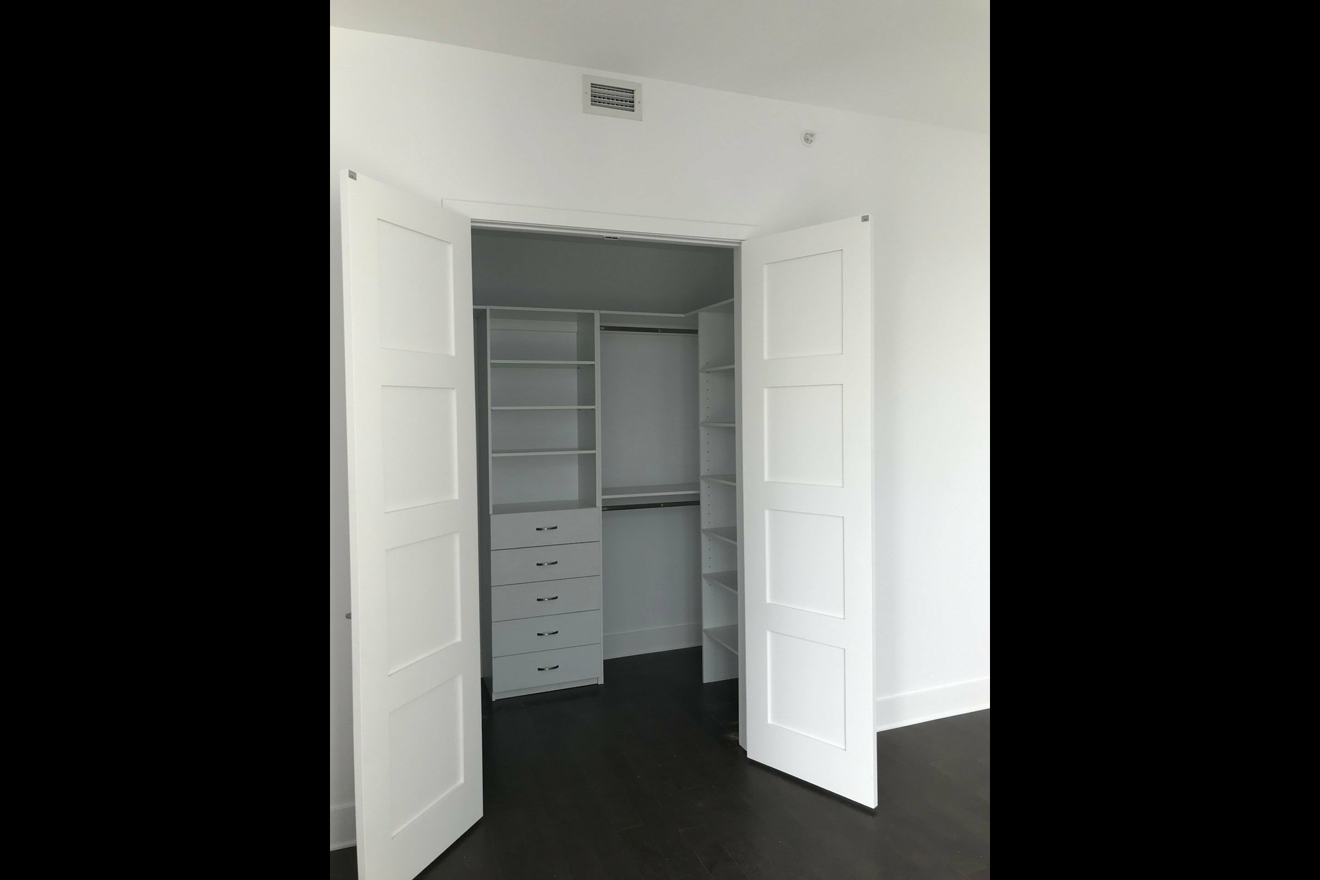 image 5 - Appartement À louer Côte-des-Neiges/Notre-Dame-de-Grâce Montréal  - 4 pièces