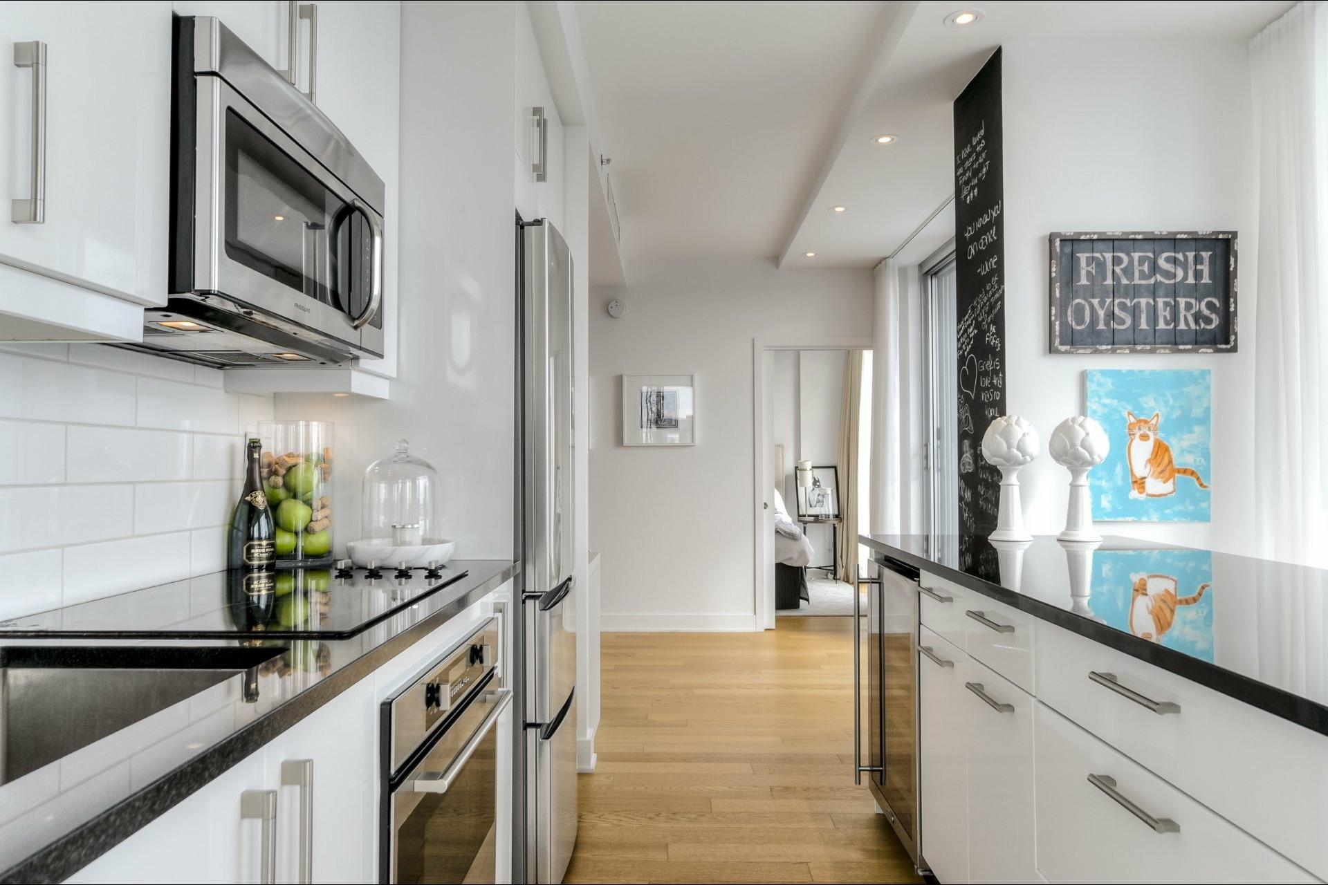image 12 - Apartment For rent Le Sud-Ouest Montréal  - 9 rooms