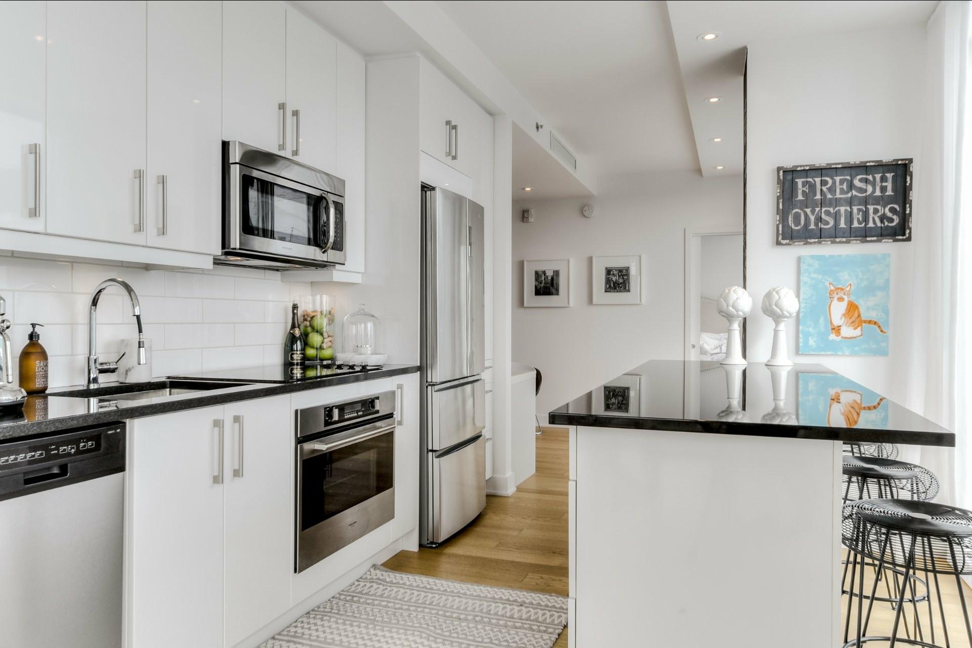 image 13 - Apartment For rent Le Sud-Ouest Montréal  - 9 rooms