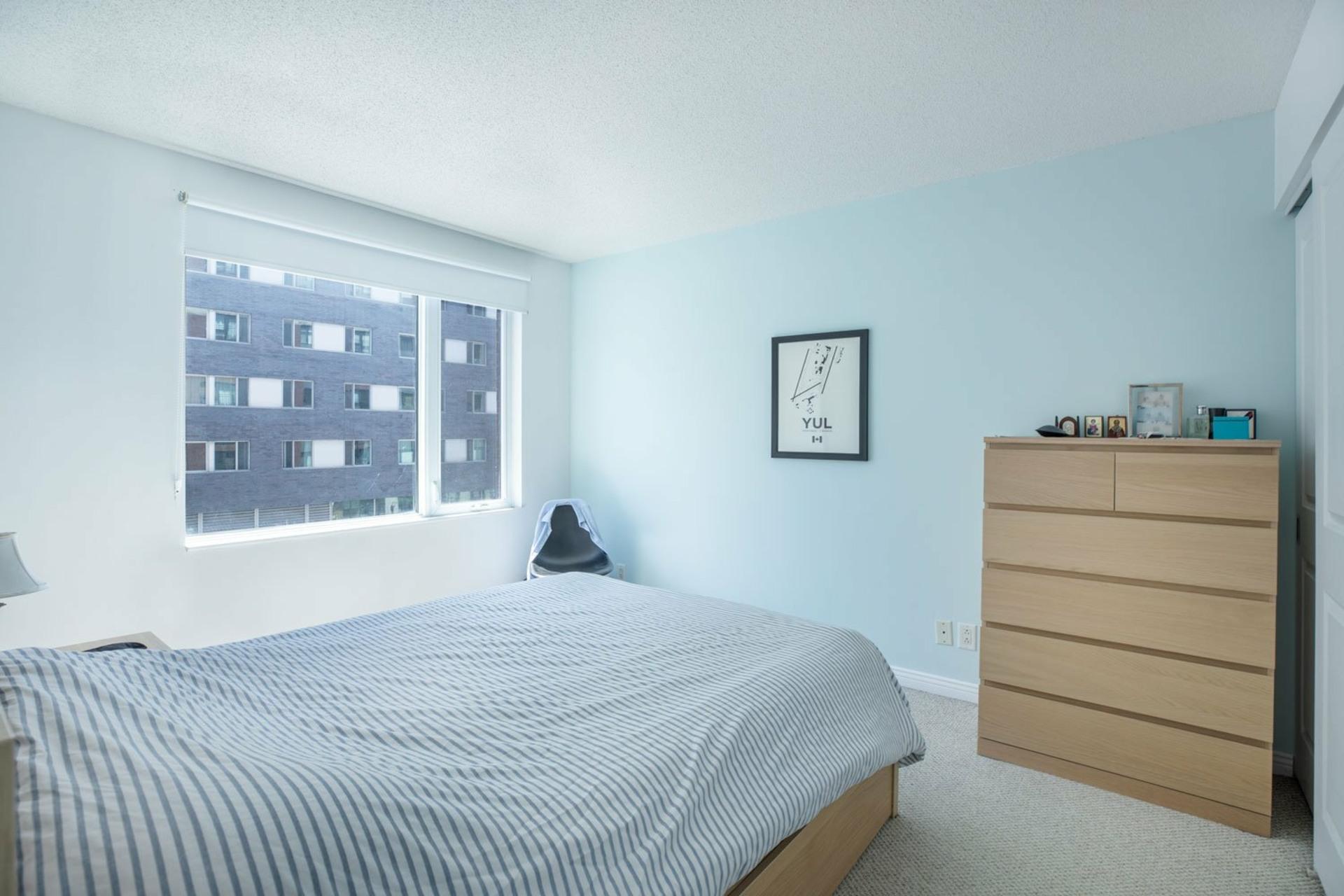 image 6 - Appartement À vendre Ville-Marie Montréal  - 4 pièces