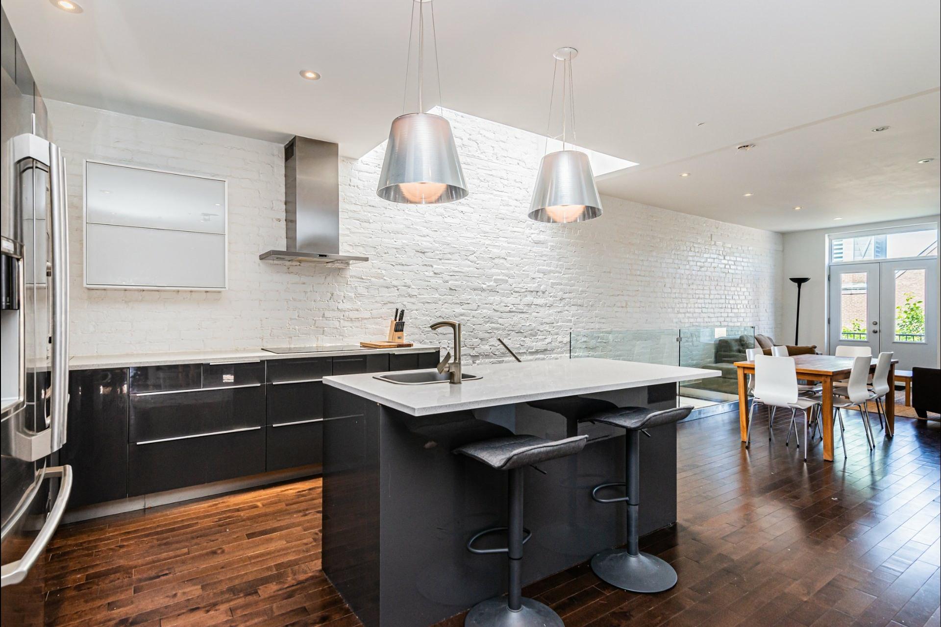 image 9 - Apartment For rent Le Plateau-Mont-Royal Montréal  - 7 rooms