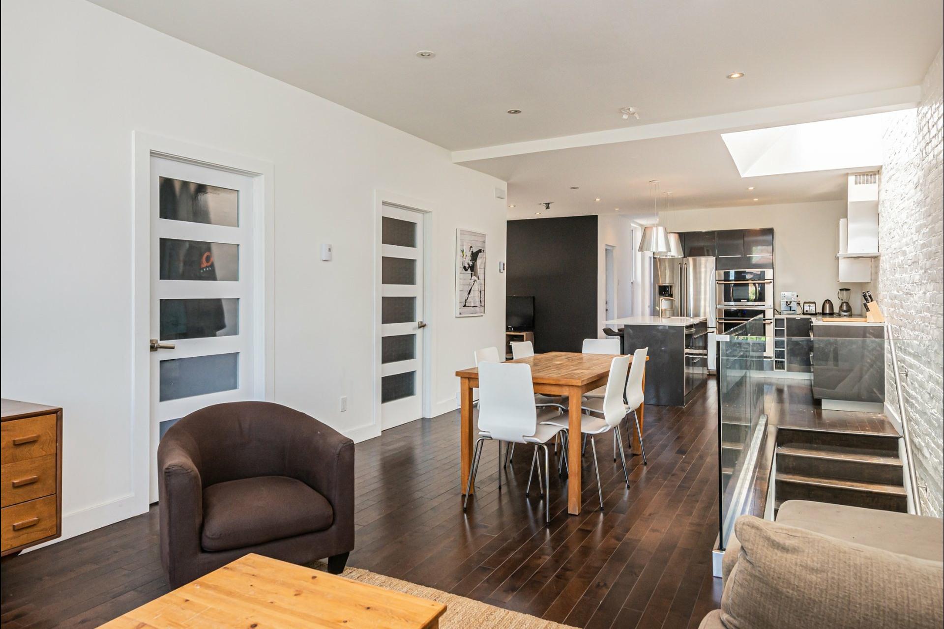 image 6 - Apartment For rent Le Plateau-Mont-Royal Montréal  - 7 rooms