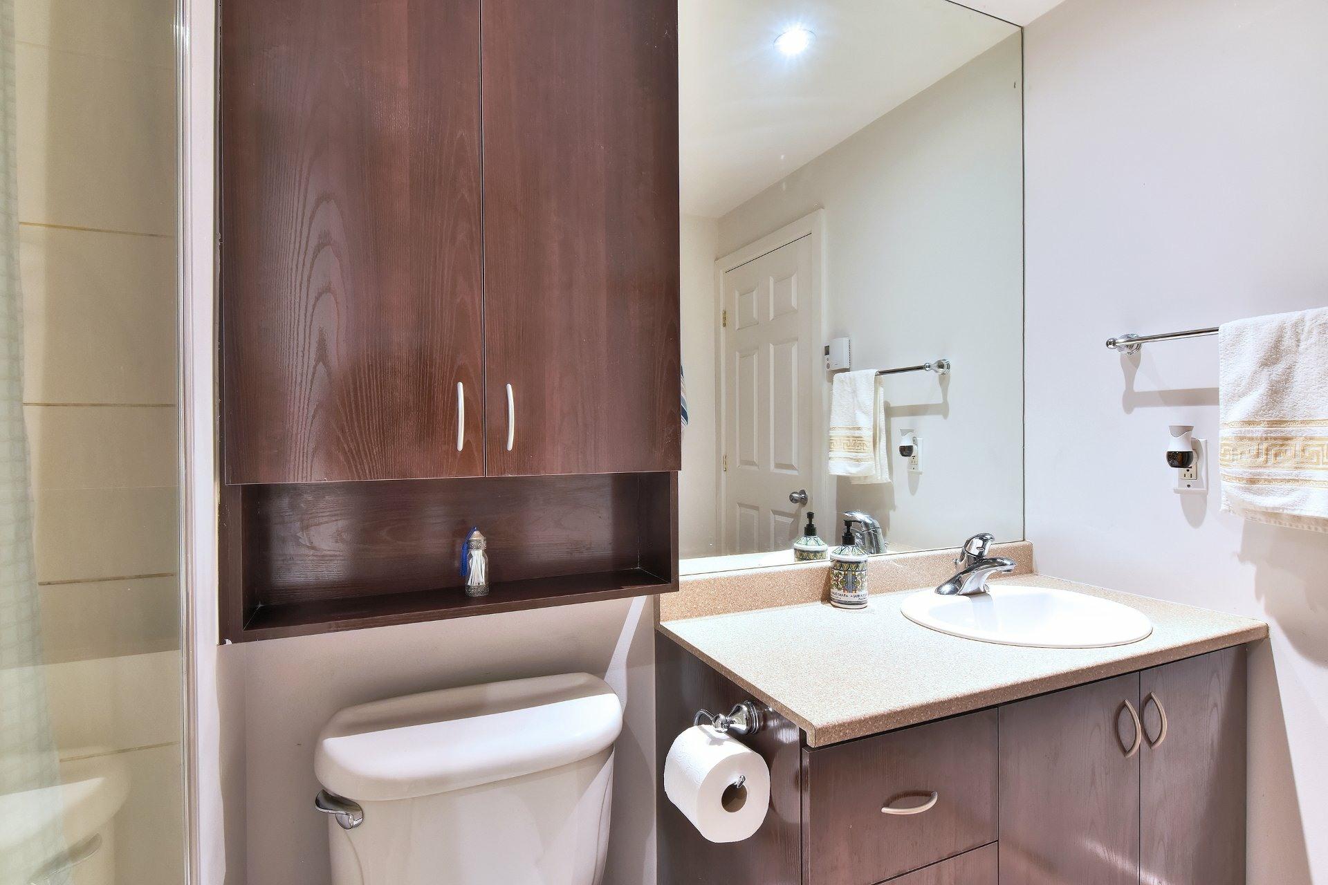 image 9 - Appartement À vendre Ville-Marie Montréal  - 9 pièces
