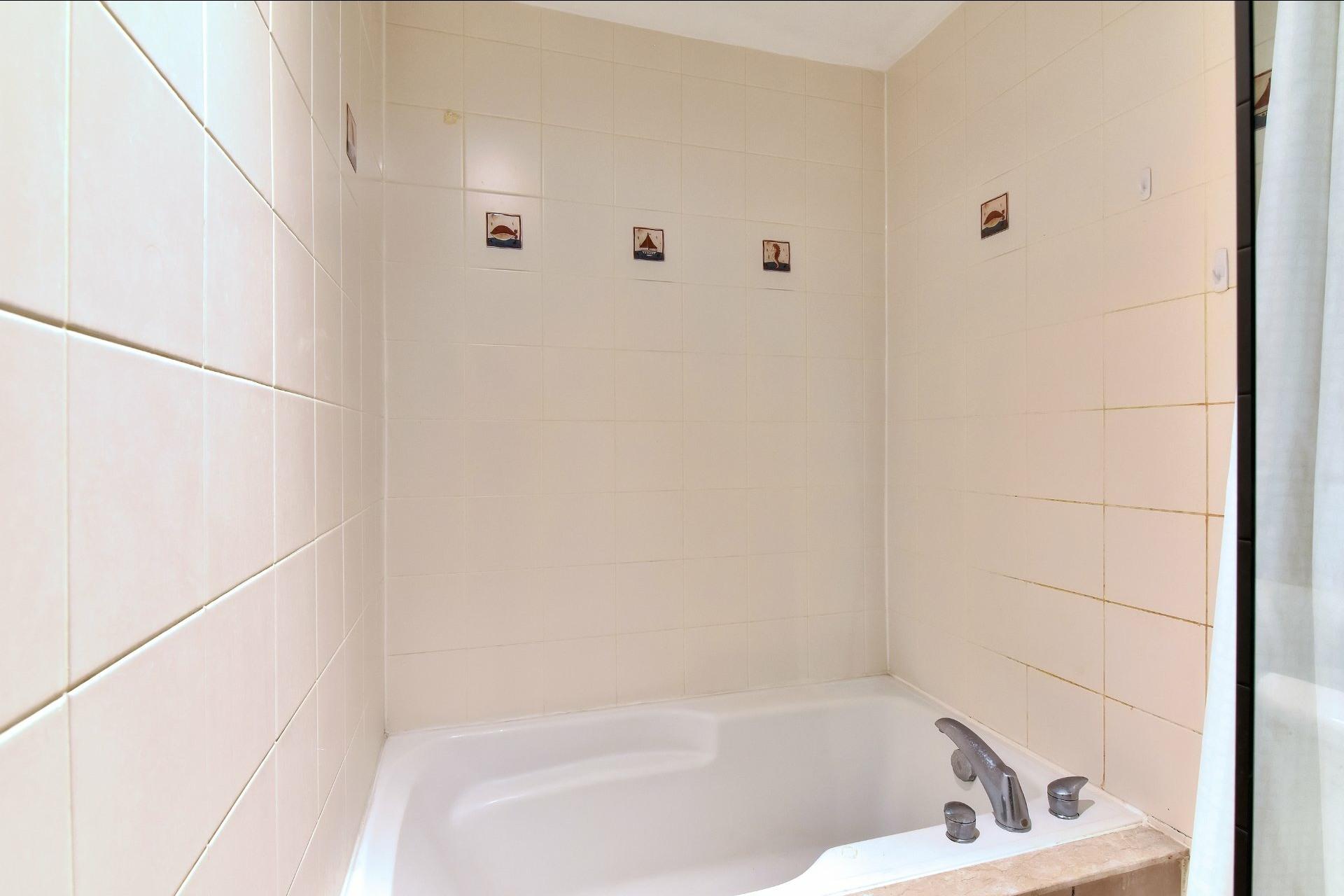 image 11 - Appartement À vendre Ville-Marie Montréal  - 9 pièces