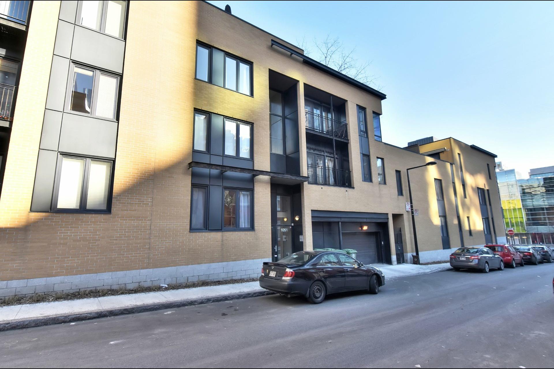 image 32 - Appartement À vendre Ville-Marie Montréal  - 9 pièces
