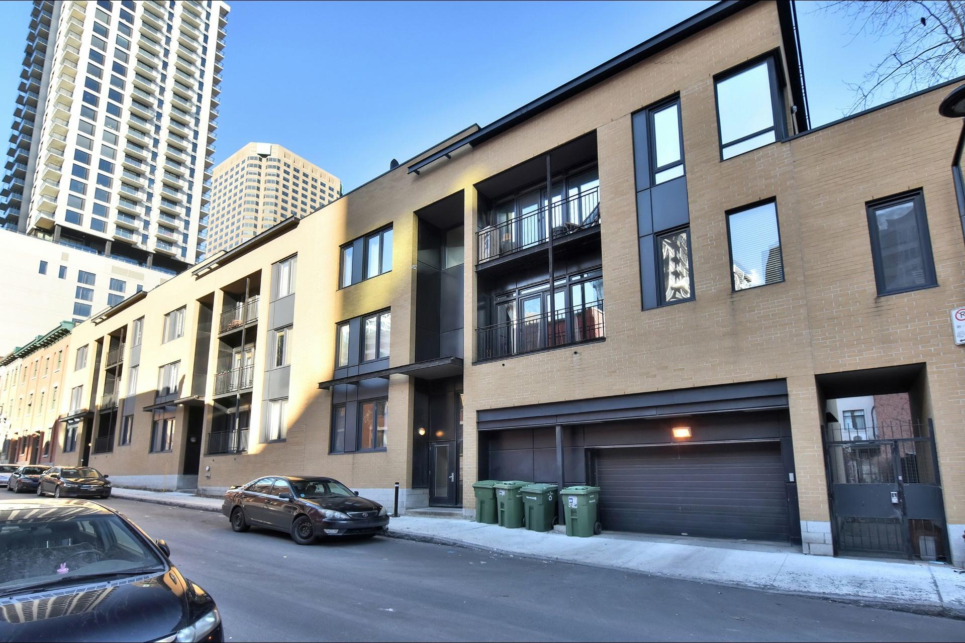 image 0 - Appartement À vendre Ville-Marie Montréal  - 9 pièces