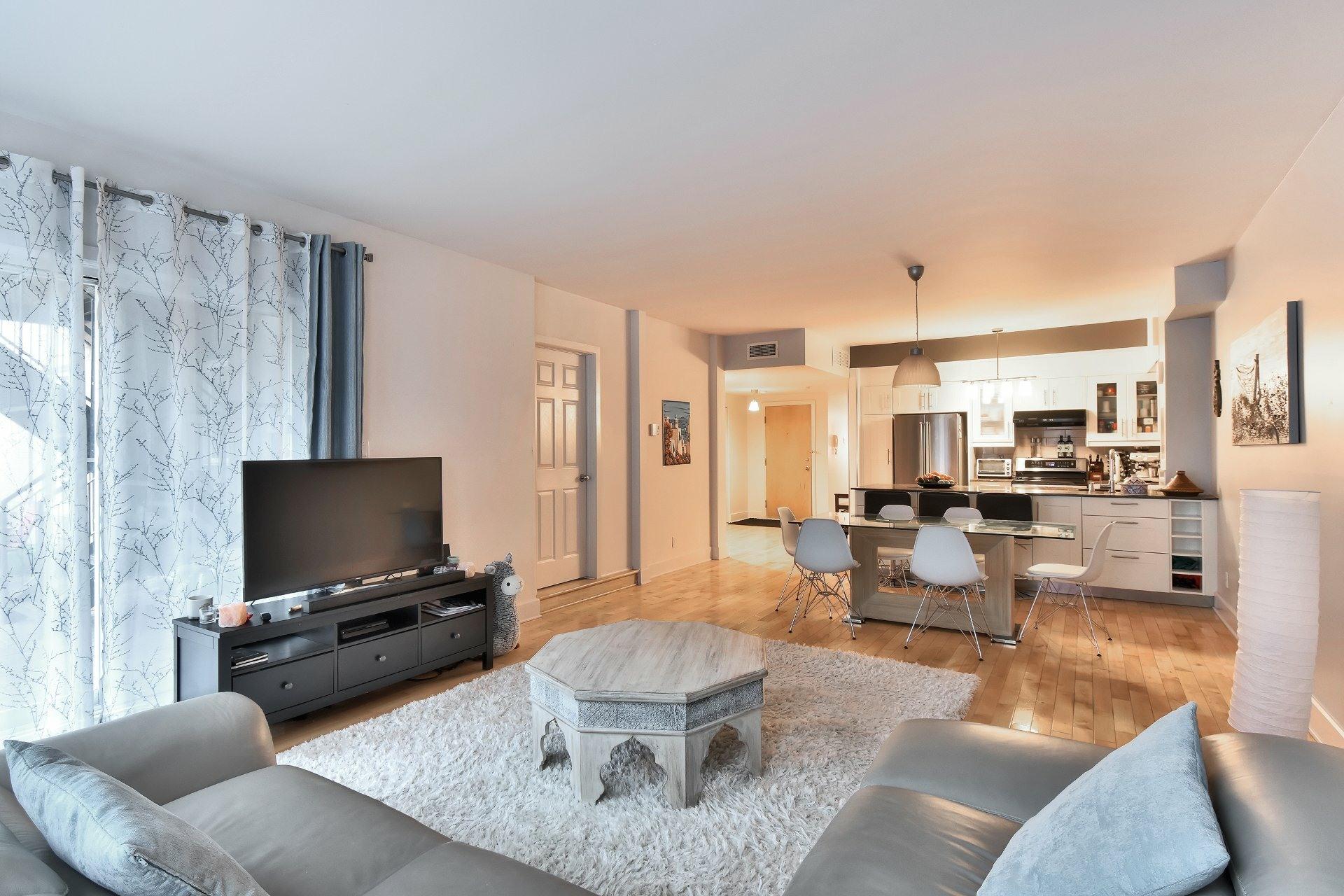 image 2 - Appartement À vendre Ville-Marie Montréal  - 9 pièces