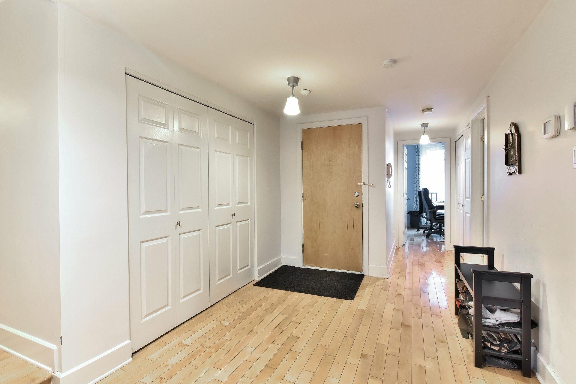image 25 - Appartement À vendre Ville-Marie Montréal  - 9 pièces