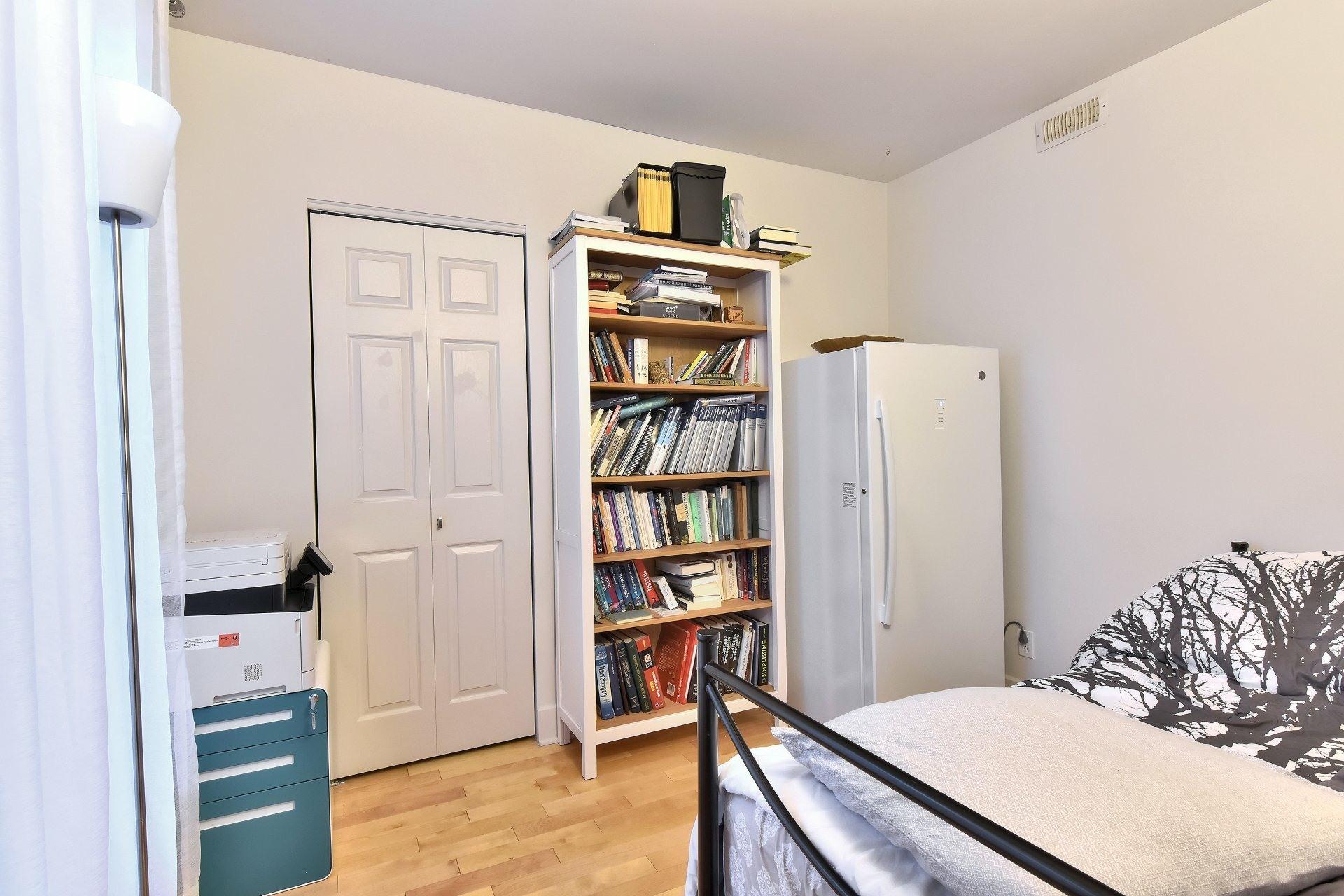 image 23 - Appartement À vendre Ville-Marie Montréal  - 9 pièces