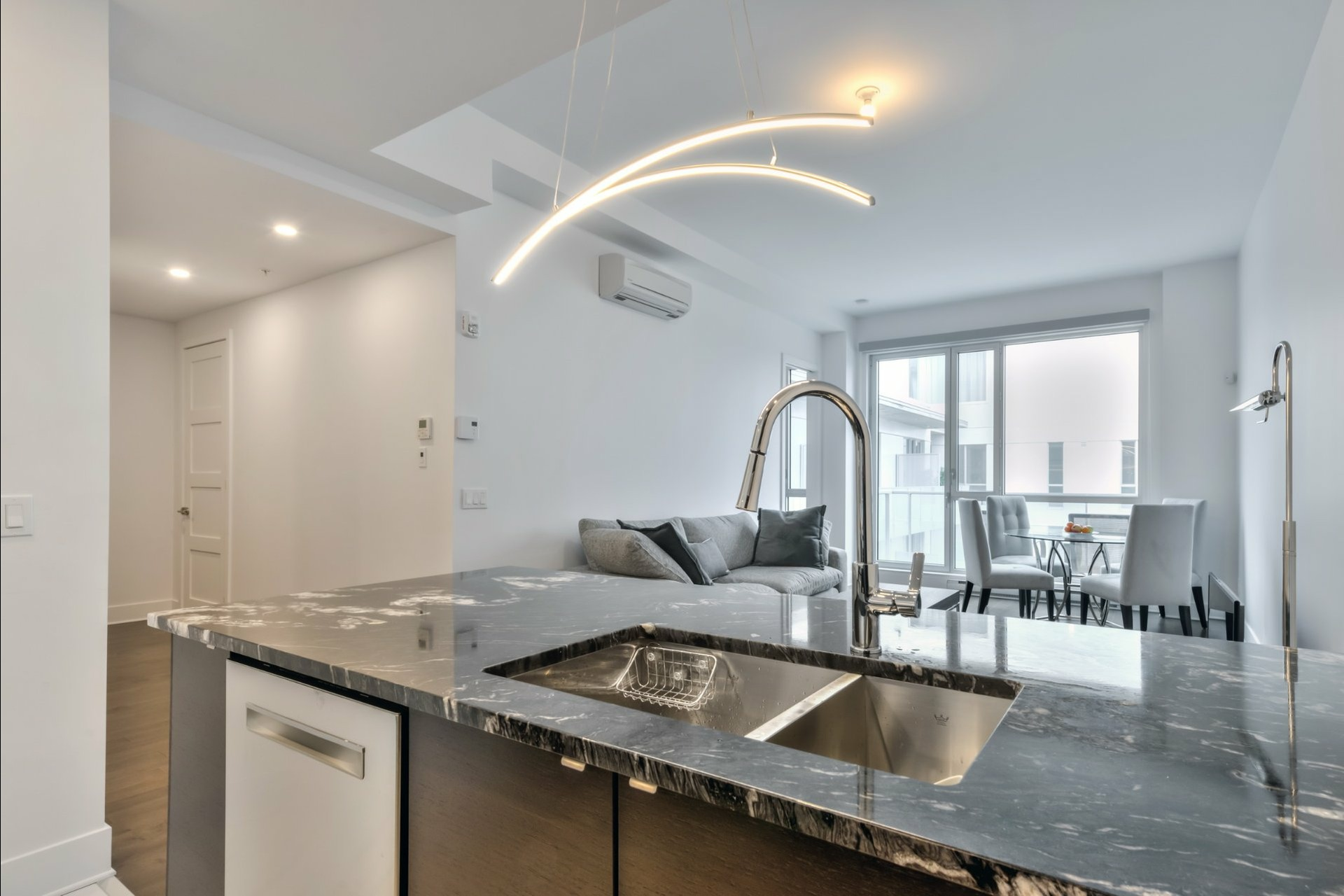 image 9 - 公寓 出售 Côte-des-Neiges/Notre-Dame-de-Grâce Montréal  - 4 室