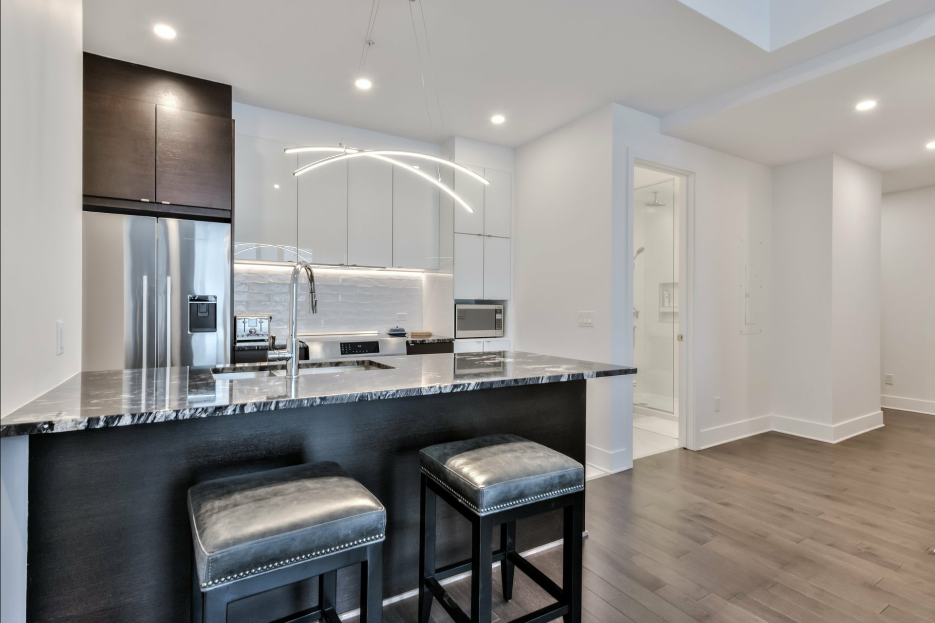 image 6 - 公寓 出售 Côte-des-Neiges/Notre-Dame-de-Grâce Montréal  - 4 室