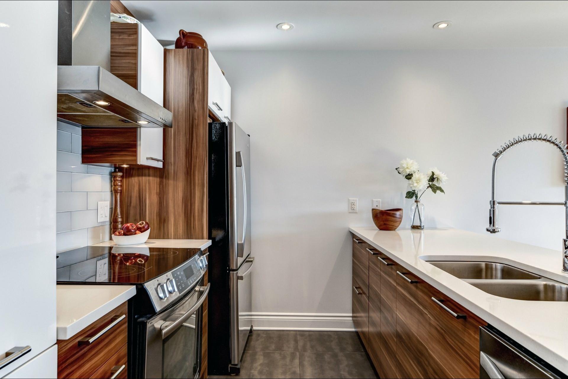 image 10 - Appartement À vendre Villeray/Saint-Michel/Parc-Extension Montréal  - 5 pièces