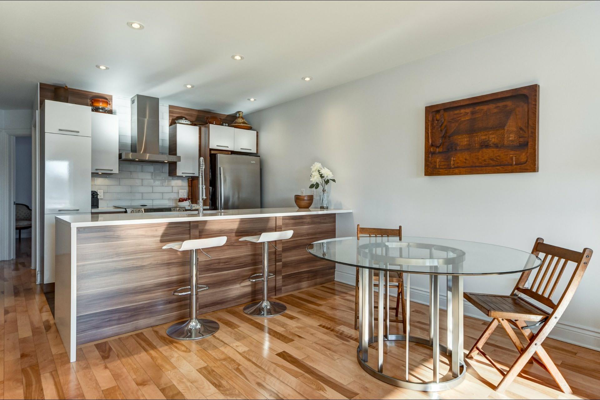 image 3 - Appartement À vendre Villeray/Saint-Michel/Parc-Extension Montréal  - 5 pièces