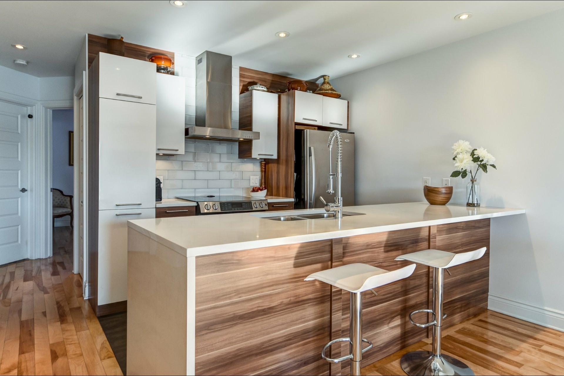 image 8 - Appartement À vendre Villeray/Saint-Michel/Parc-Extension Montréal  - 5 pièces