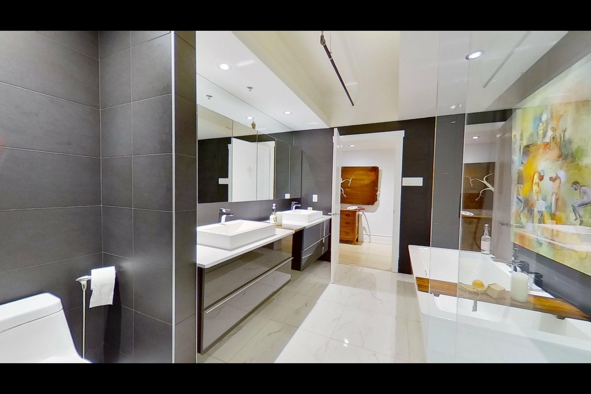 image 3 - Appartement À vendre Ville-Marie Montréal  - 5 pièces
