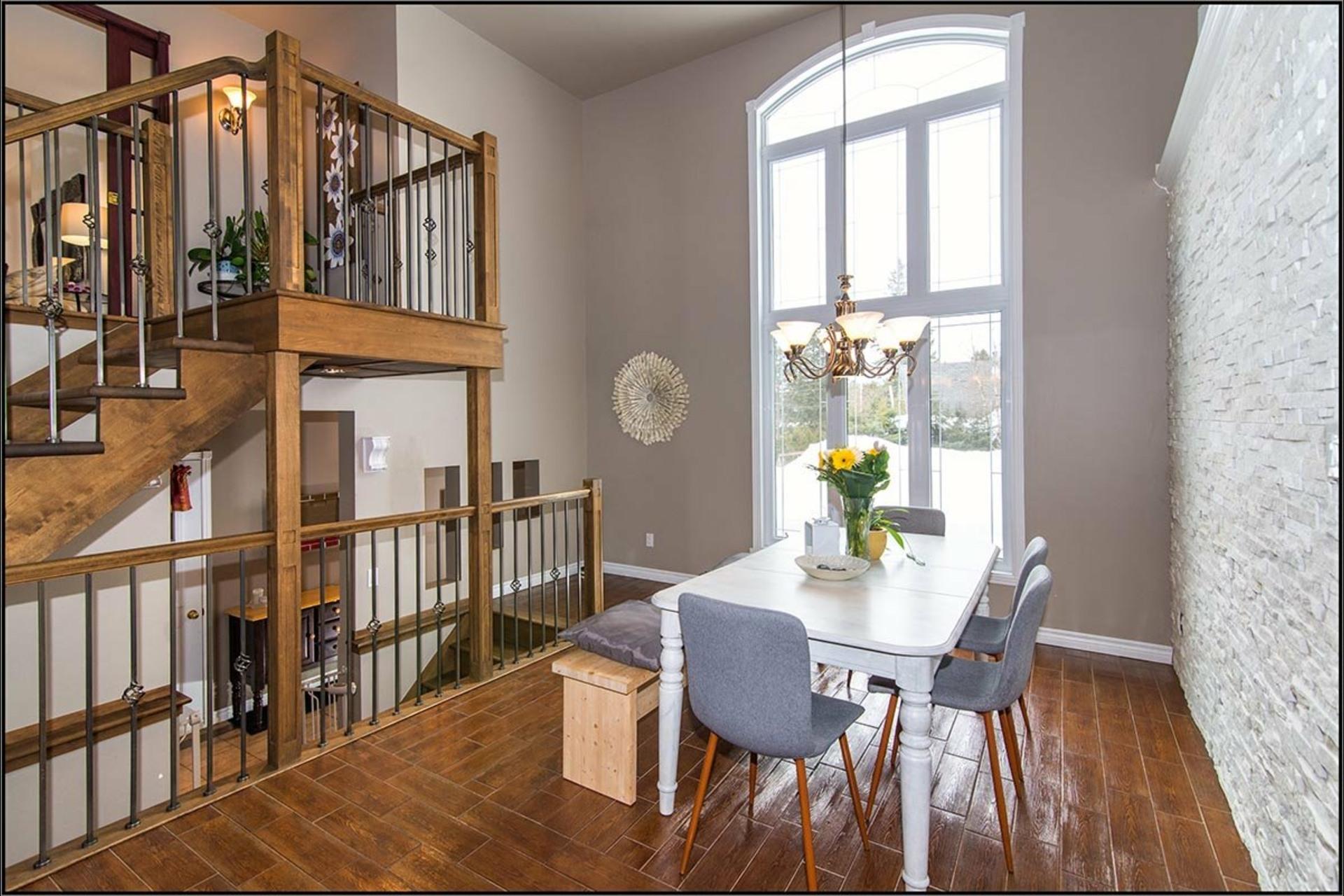 image 2 - Maison À vendre Sainte-Catherine-de-la-Jacques-Cartier - 11 pièces