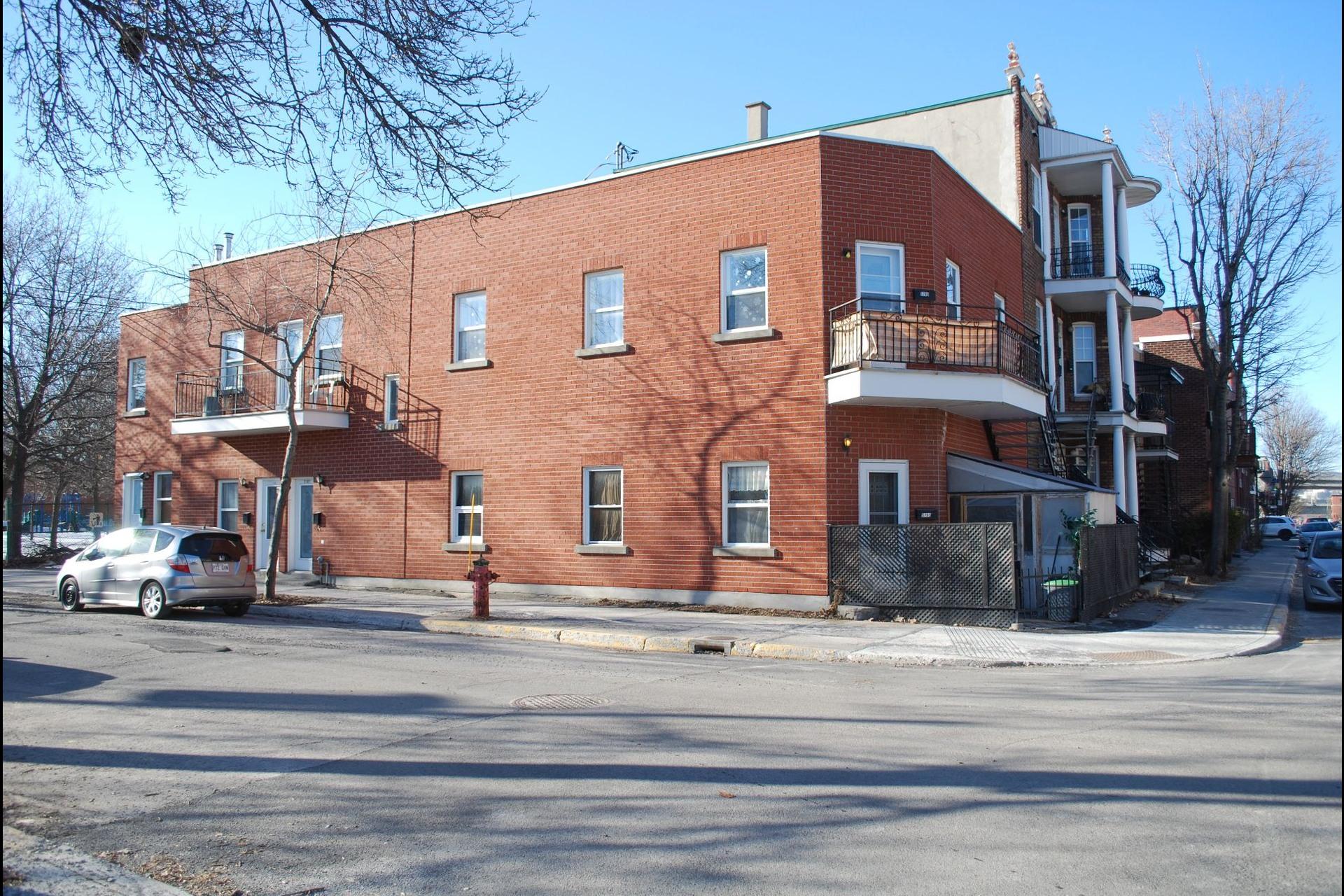 image 11 - Quintuplex For sale Le Sud-Ouest Montréal  - 3 rooms