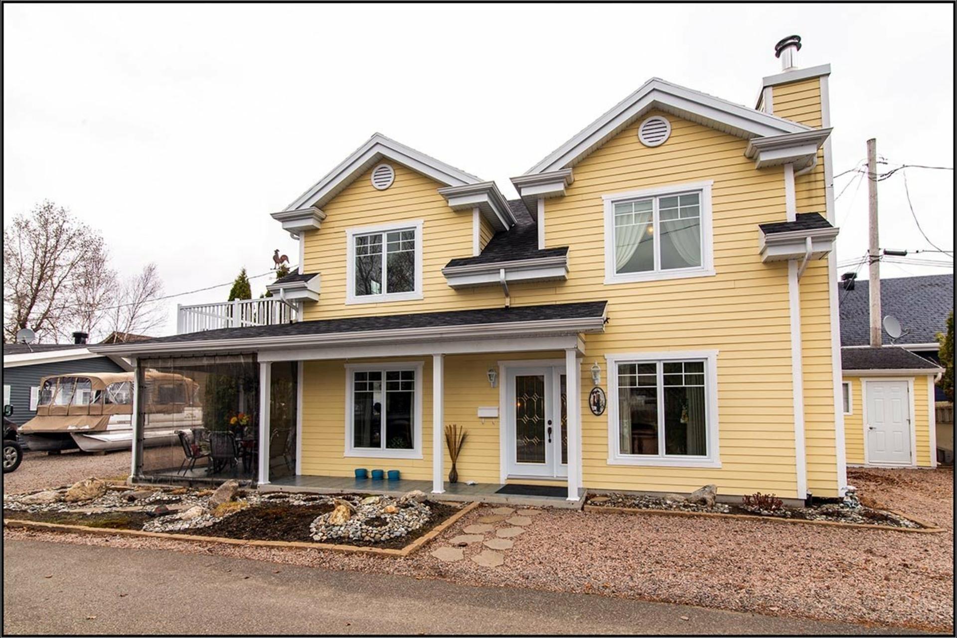 image 0 - House For sale Fossambault-sur-le-Lac - 9 rooms