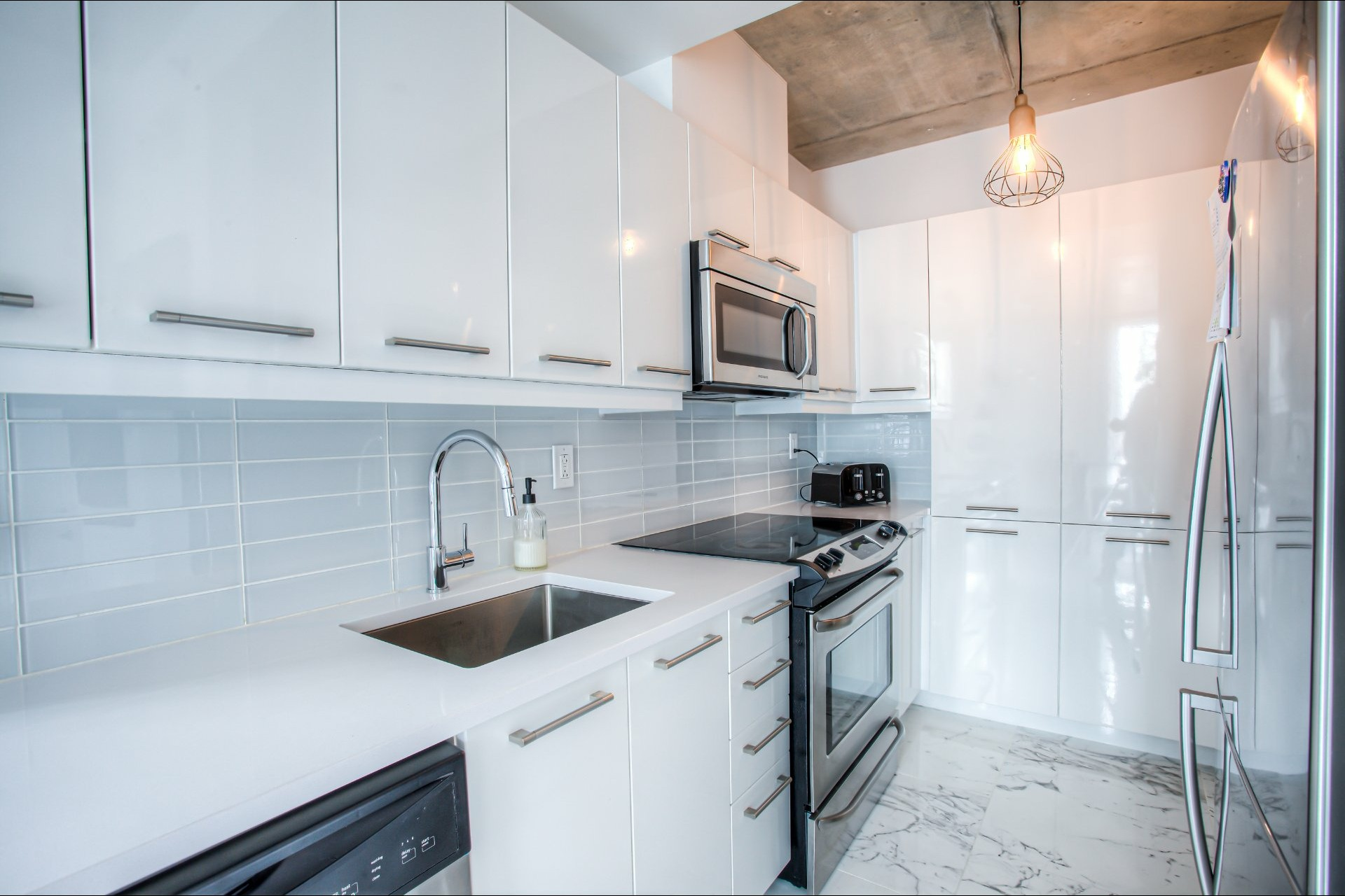 image 10 - Appartement À vendre Le Sud-Ouest Montréal  - 5 pièces