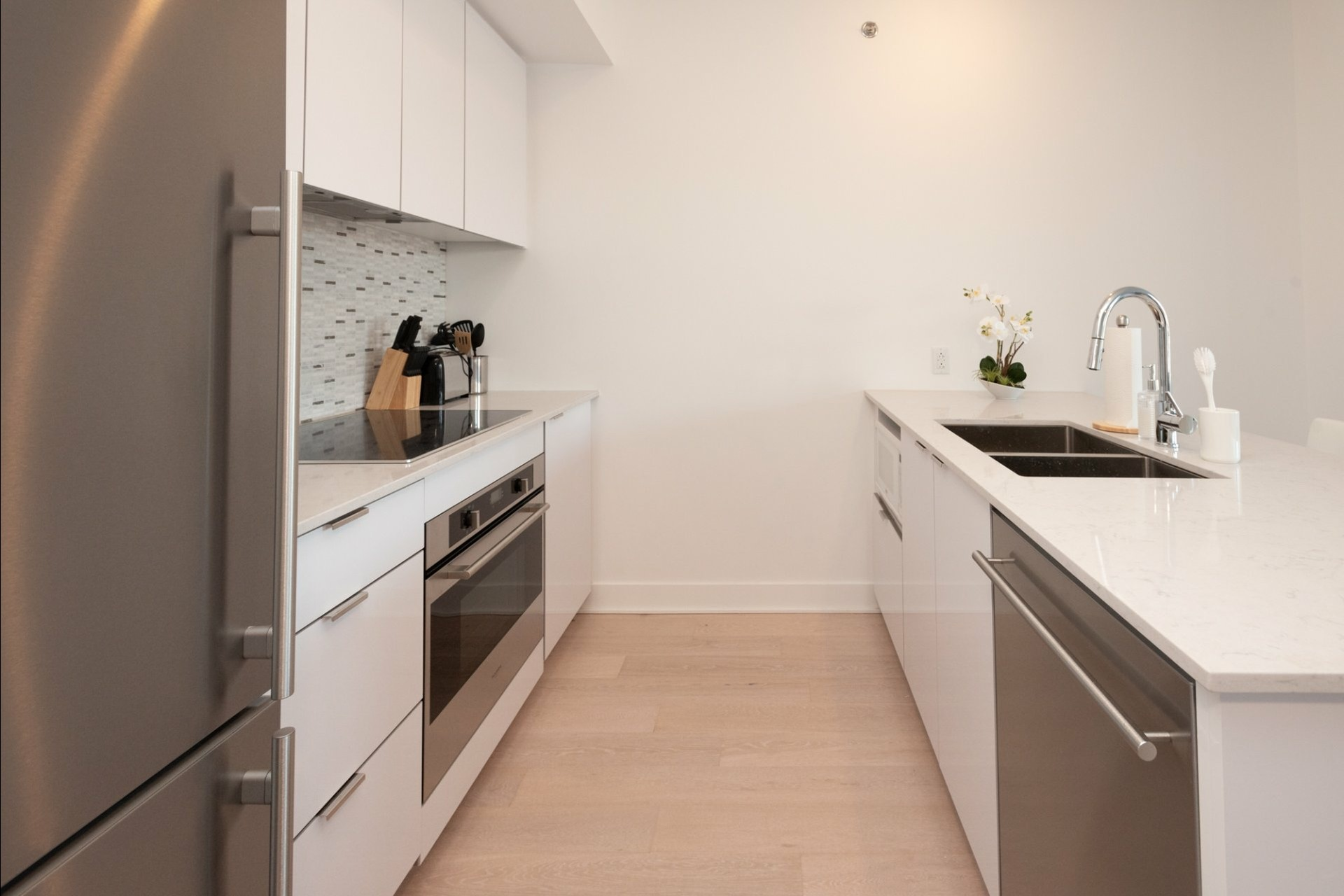 image 10 - Appartement À louer Côte-des-Neiges/Notre-Dame-de-Grâce Montréal  - 5 pièces